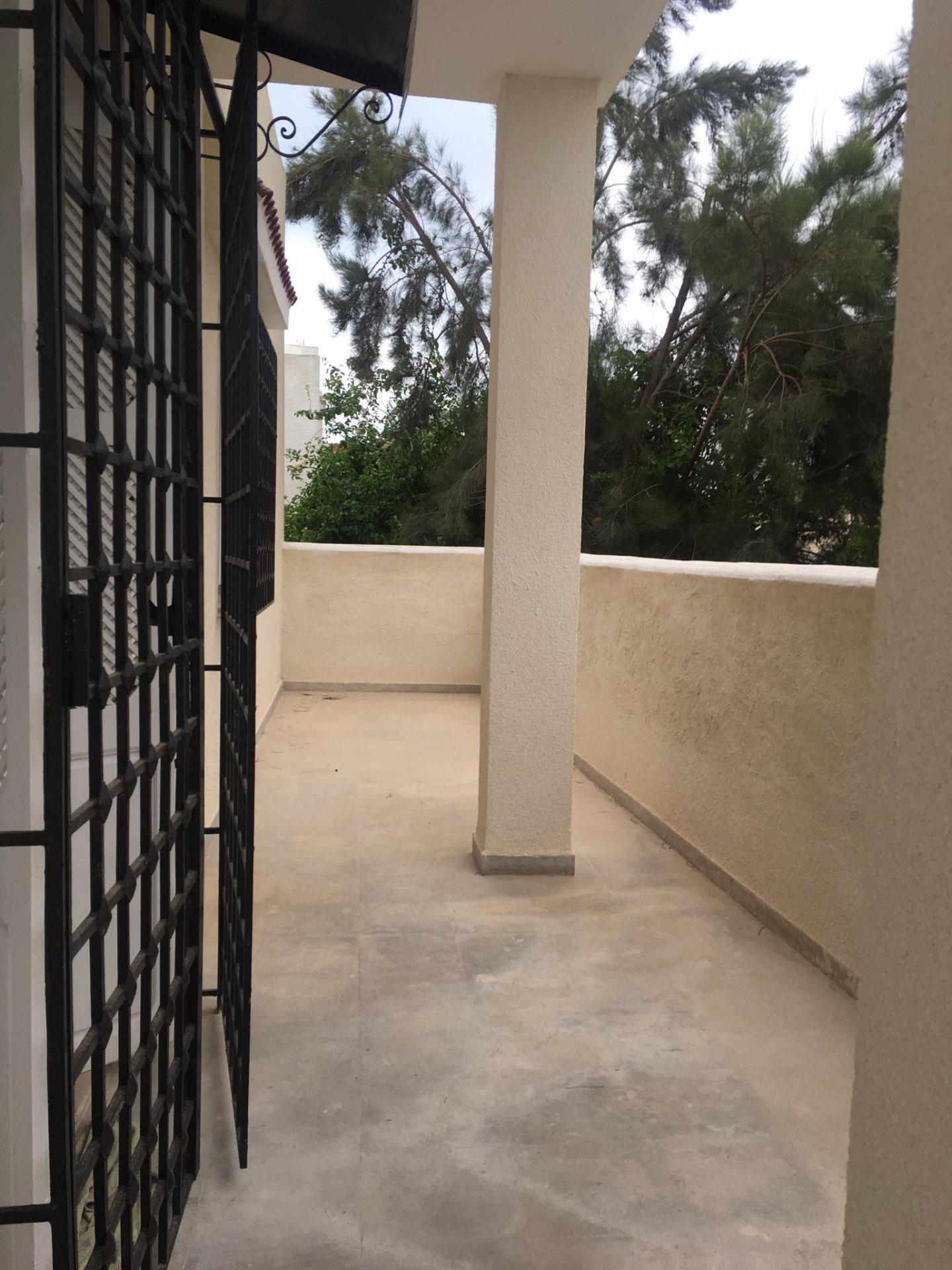 Location Etage de Villa S+2 à La Marsa