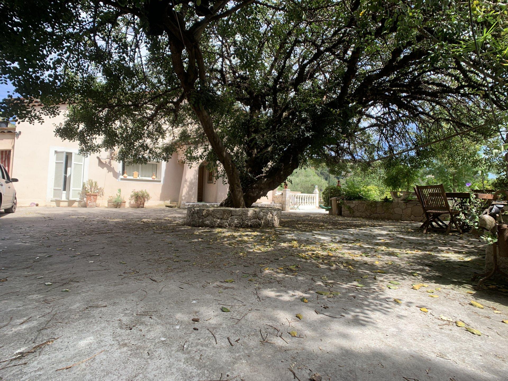 Villa individuelle au calme Grand terrain plat