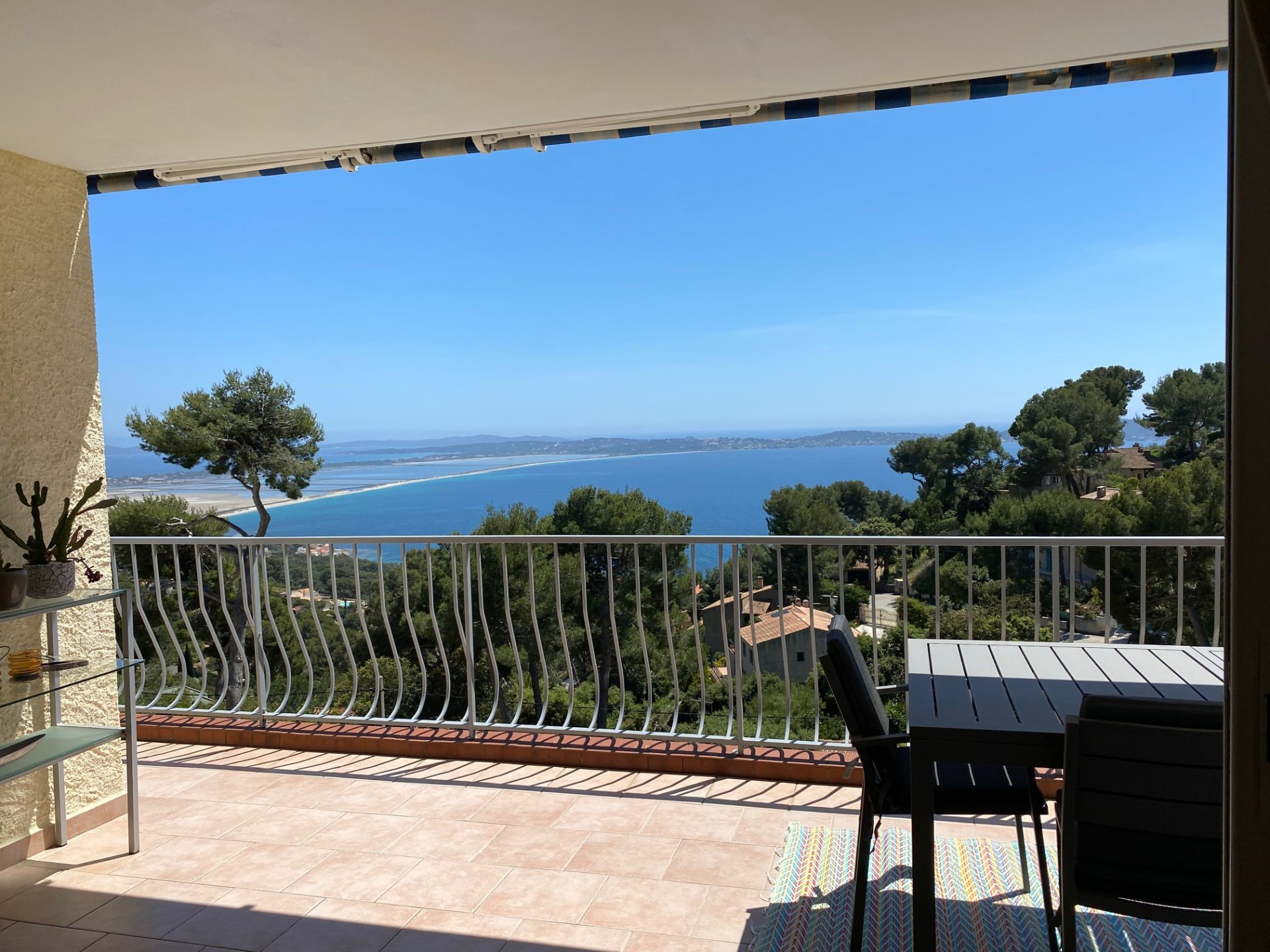 Exclusive to IMMOCOACH: south-facing villa with panoramic sea views
