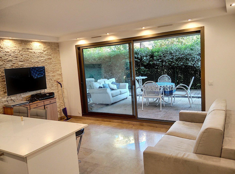 Seasonal rental Apartment - Antibes Cap-d'Antibes