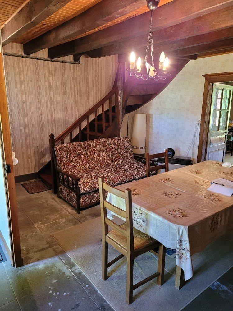 Maison et 5000m² de terrain à vendre en Creuse près d'Ahun .