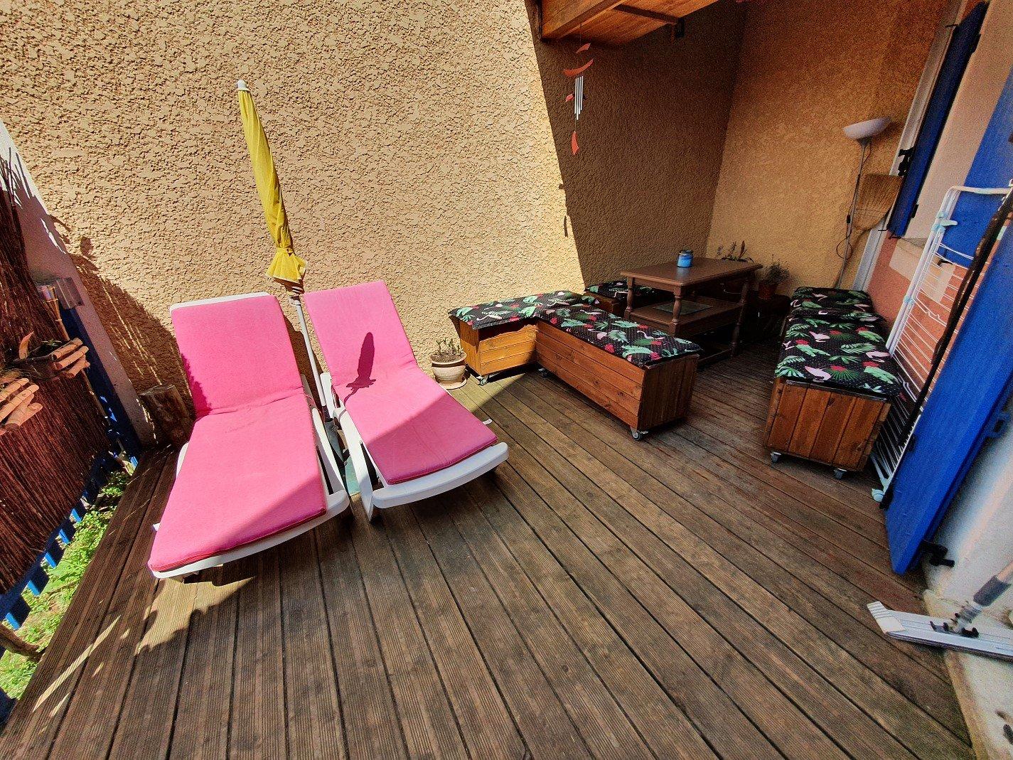 Maison dans une résidence avec piscine