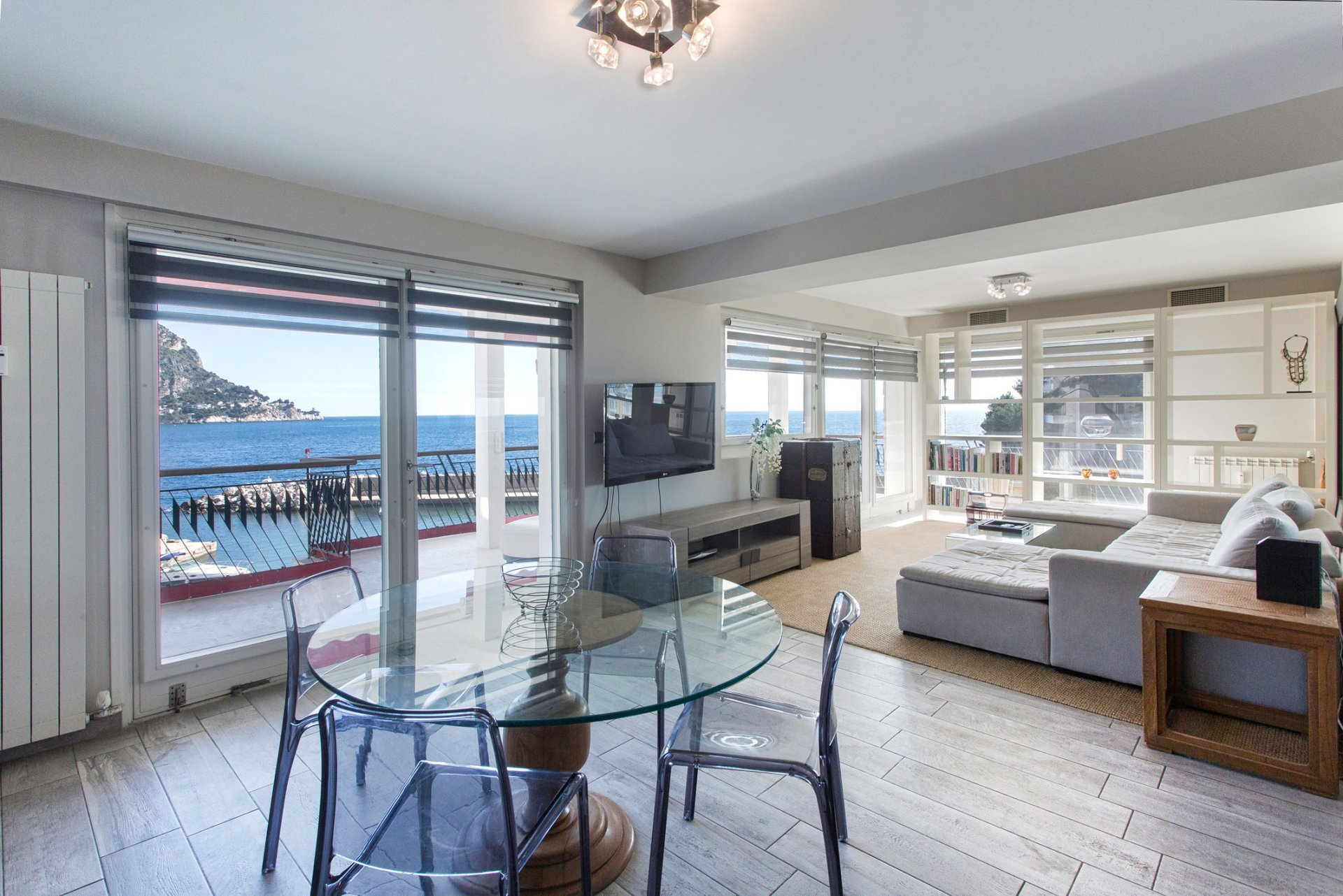 Waterfront apartment