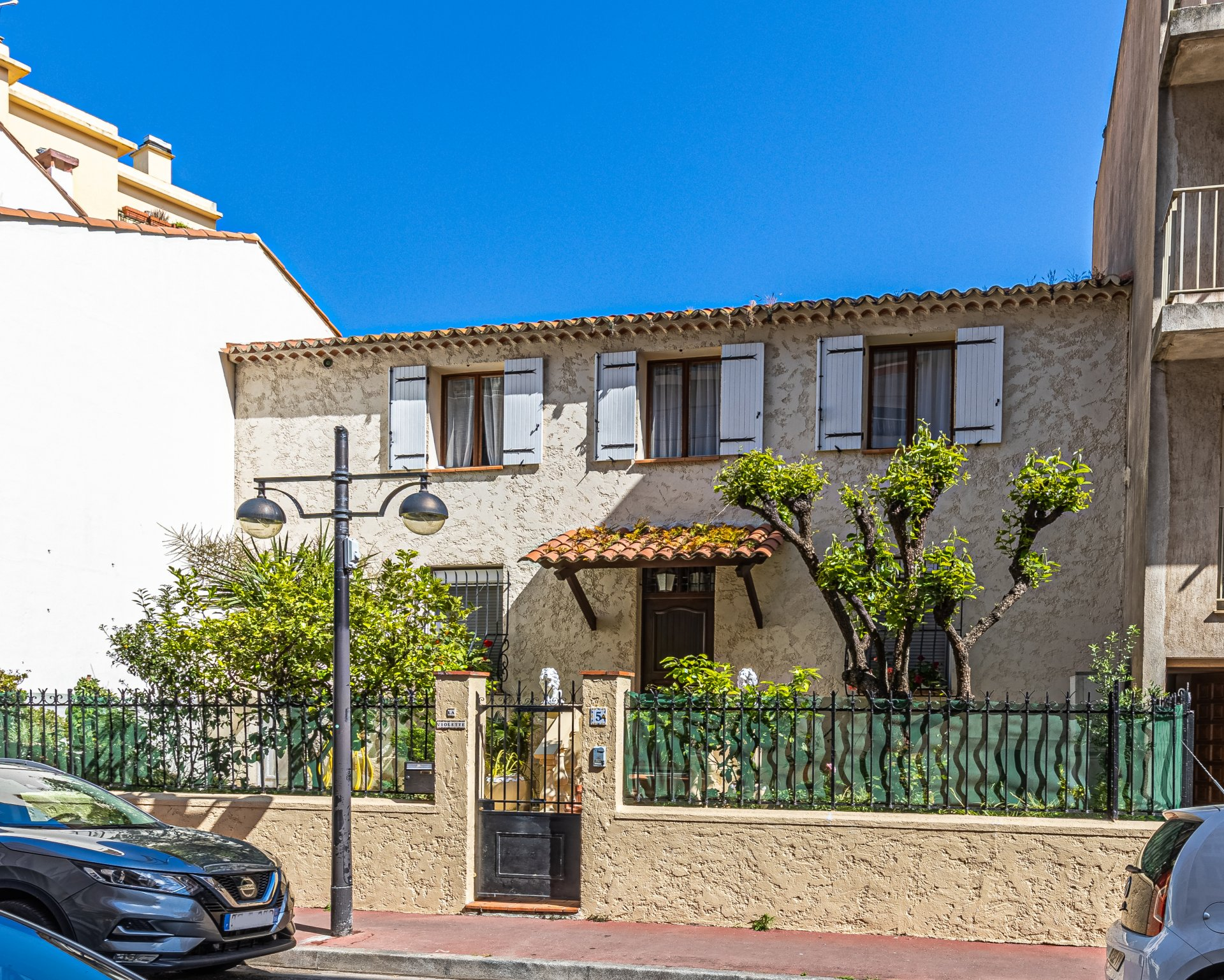 Charming town house with garden, a few meters from the sea in Antibes