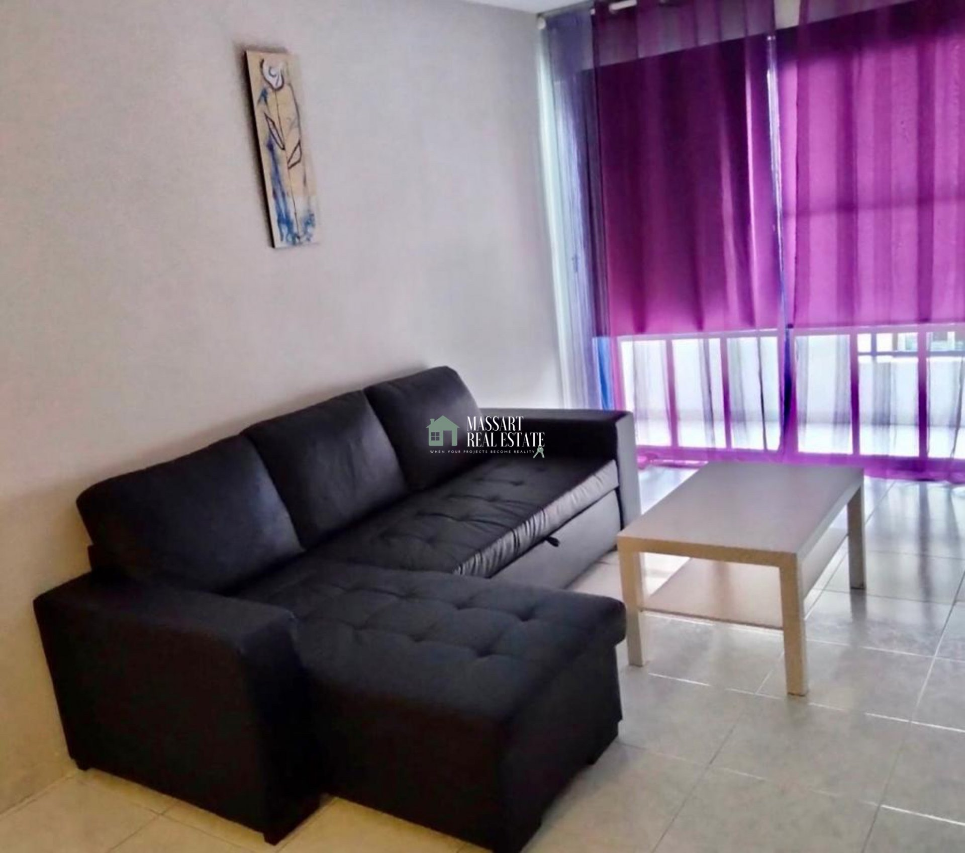 Apartment of 55 m2 fully furnished and characterized by its strategic location, in the central area of Adeje with all services in its surroundings.