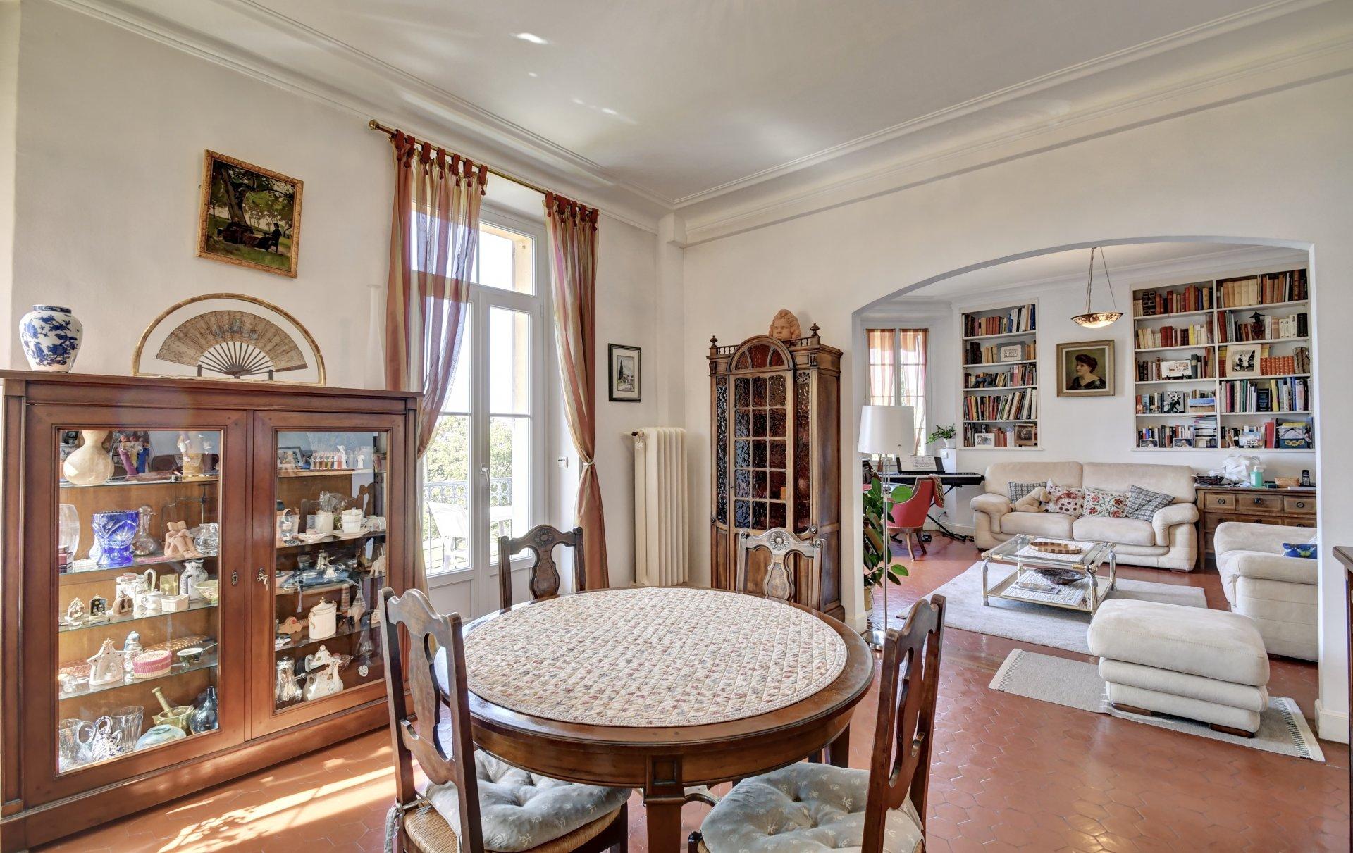 Bourgeois Apartment
