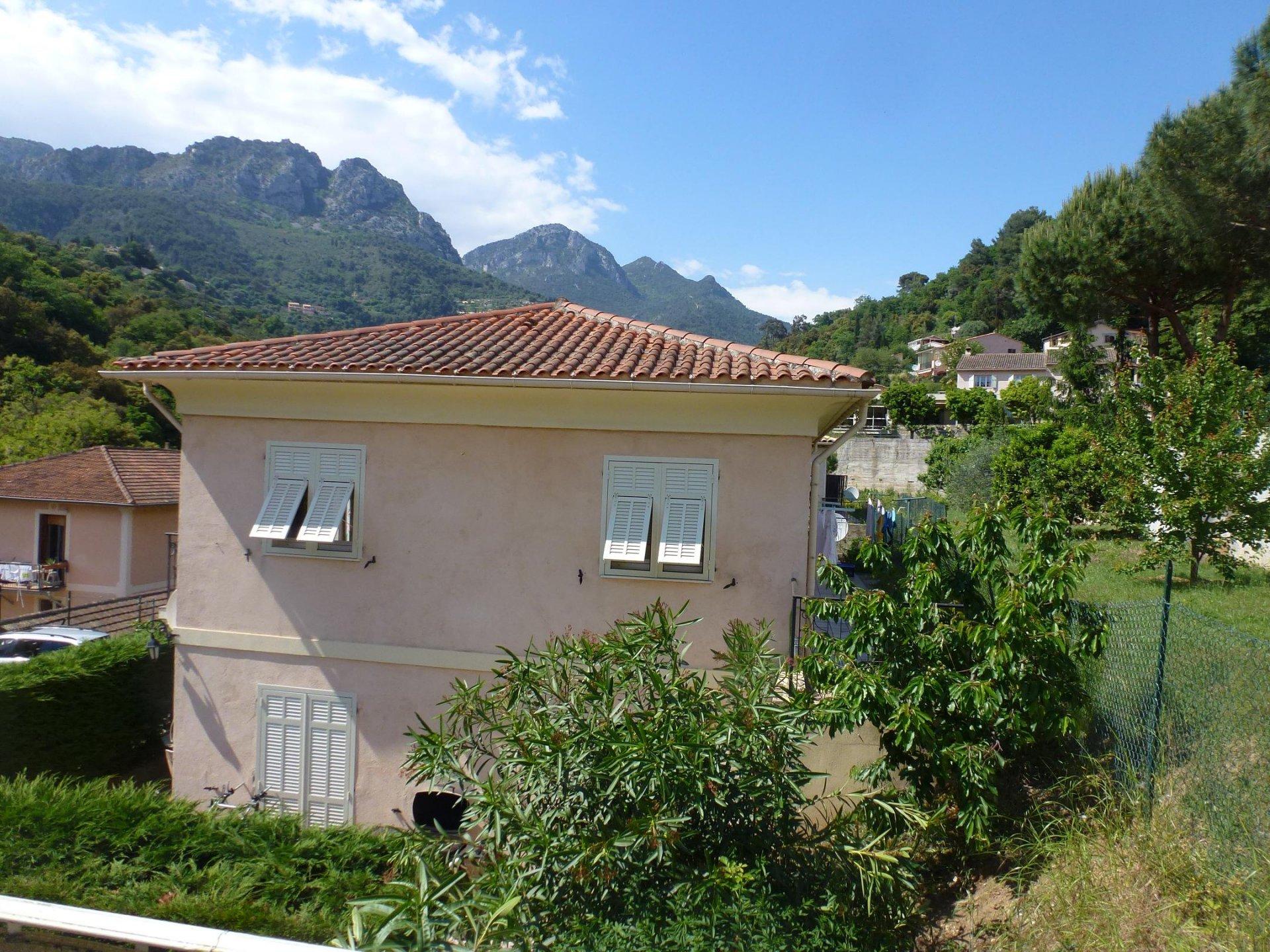 Location Meublée à l'année- Villa Jumelée T3 sur 2 niveaux au calme- terrasses, balcon, cave, 2 parkings