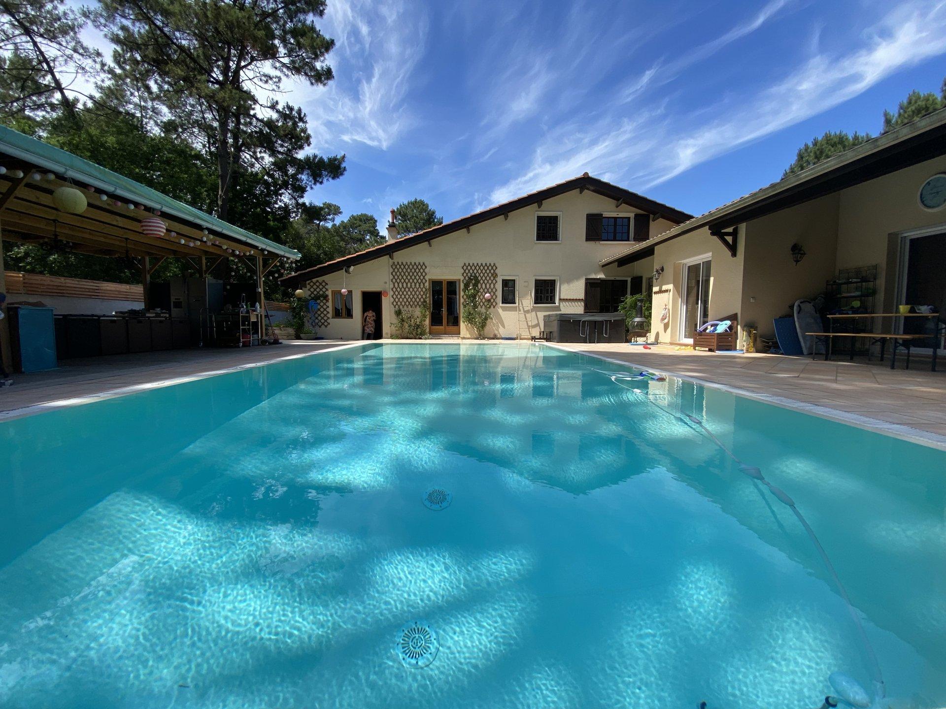 Très belle villa 6 chambres  Piscine