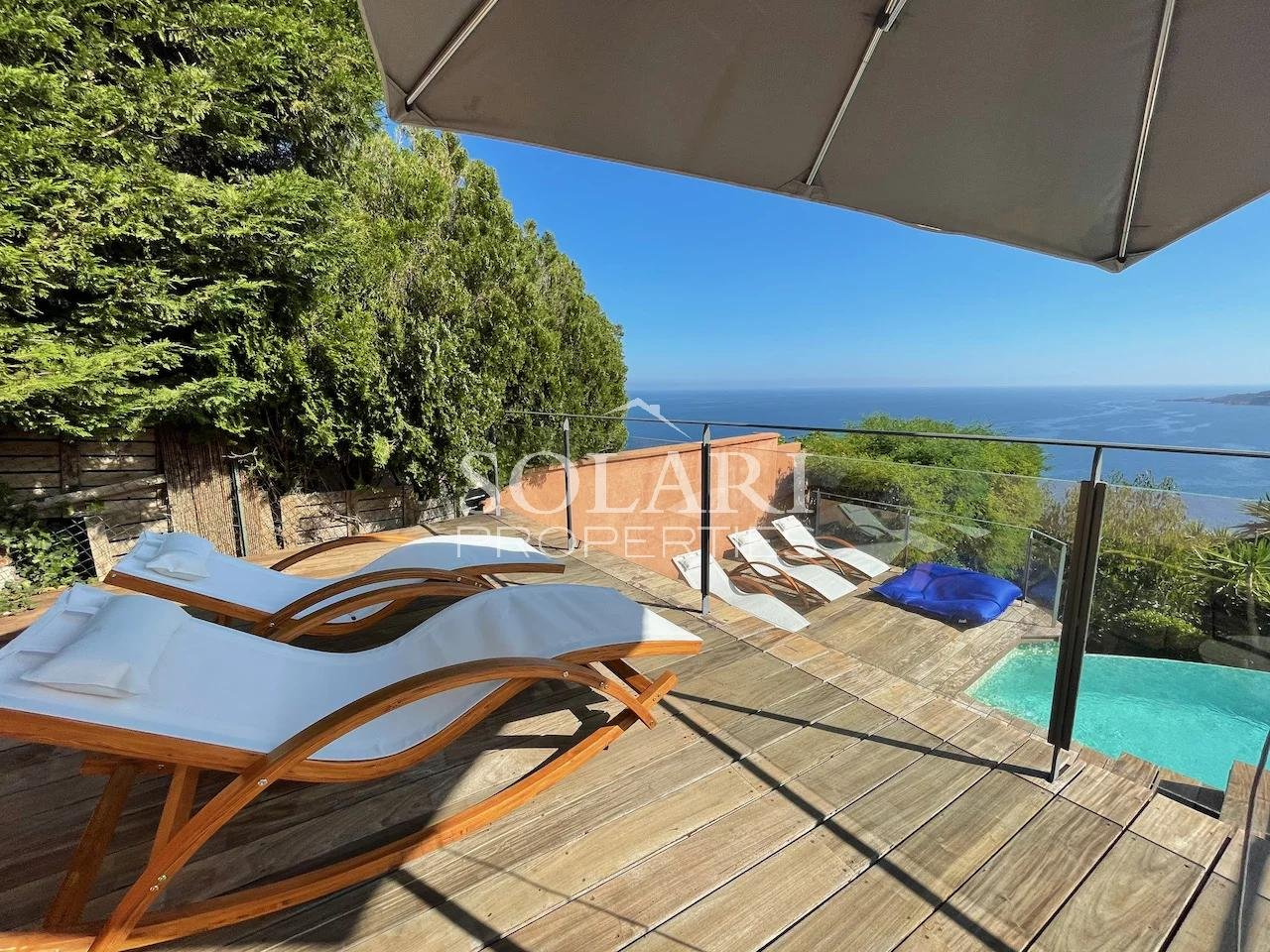 Superb modern villa with panoramic sea view in Theoule