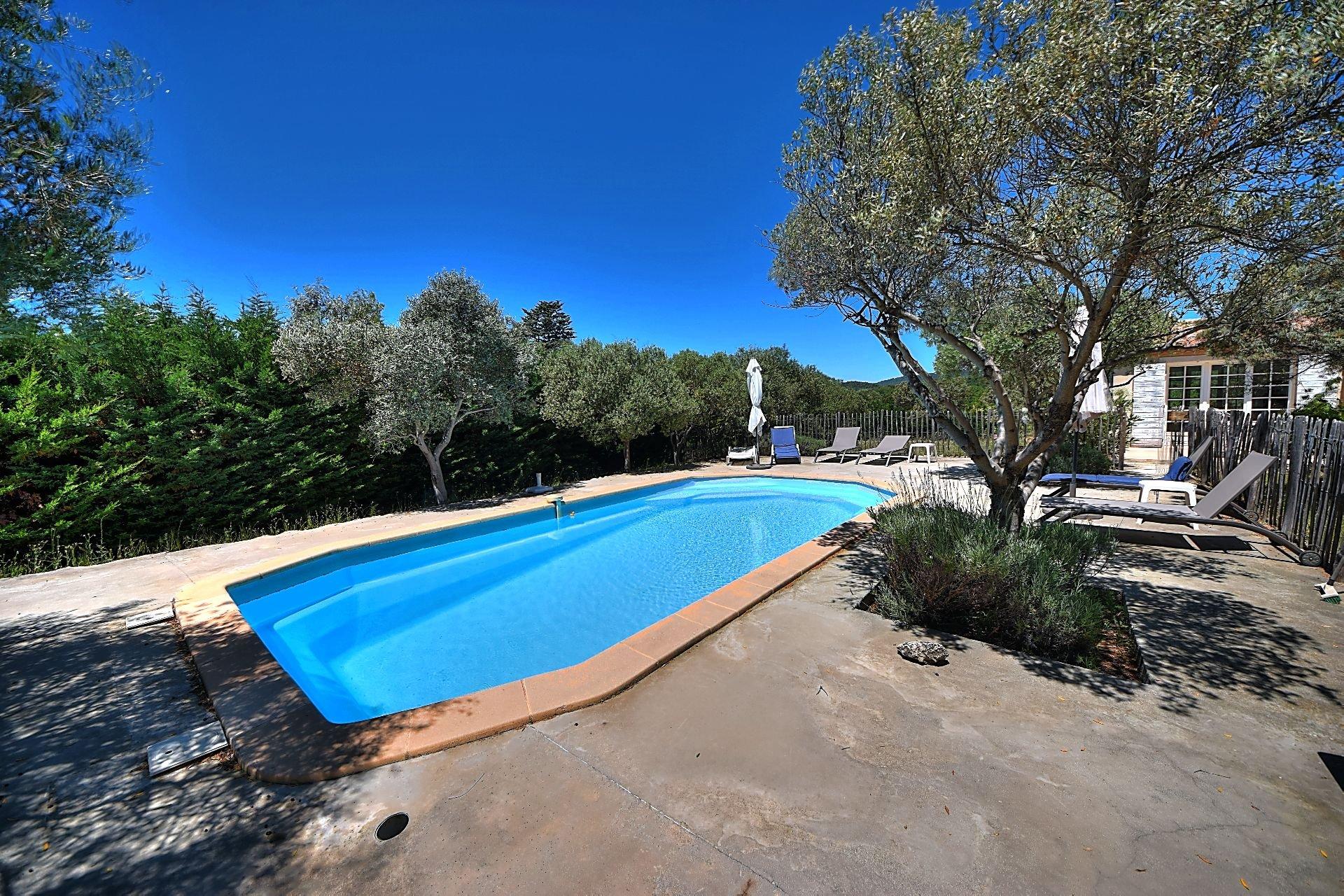 8 x 4 m shell pool