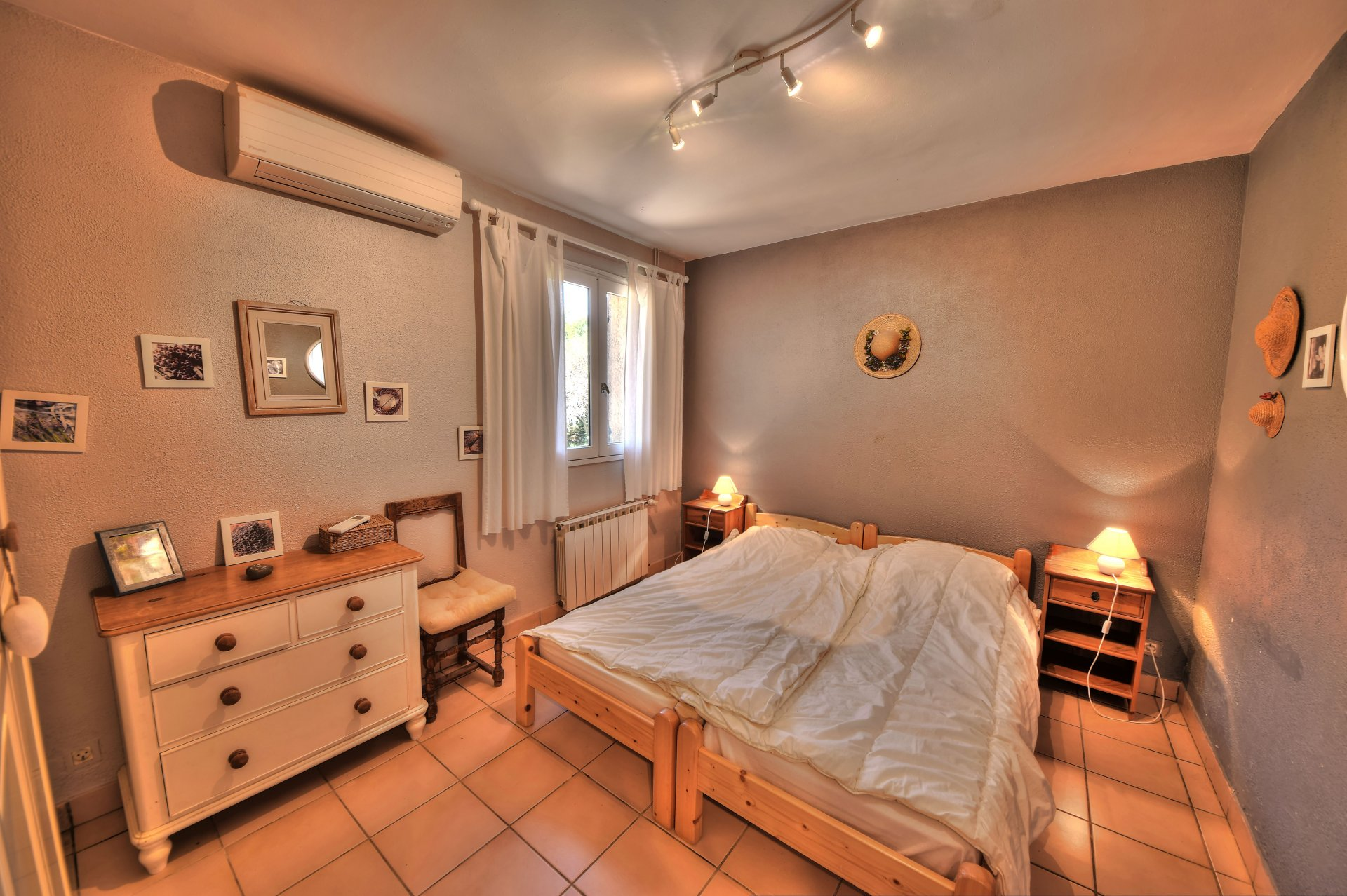 Bedroom 3 with air conditioning