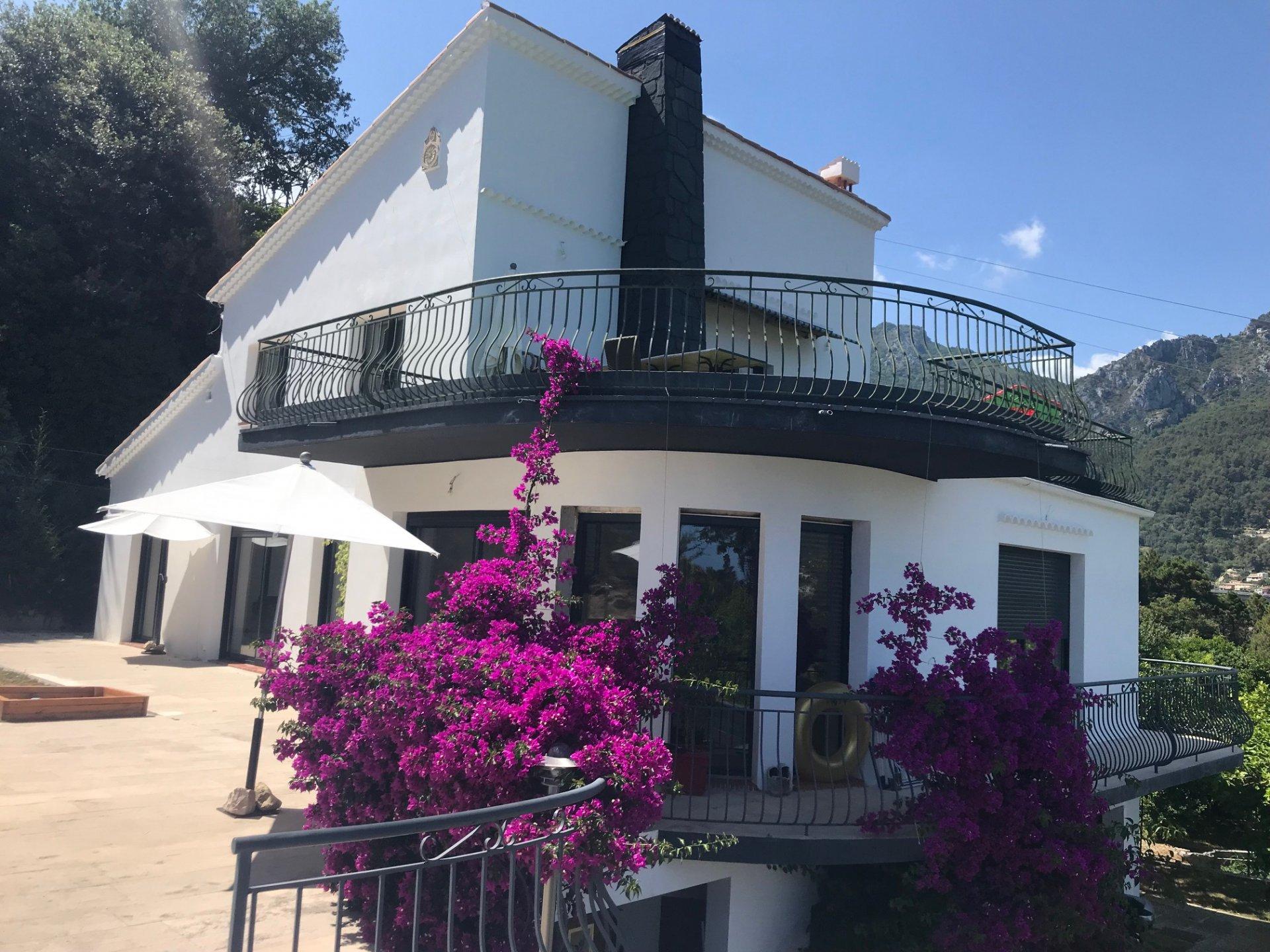 Fort Potentiel pour un Projet Familial! Villa Individuelle 163m² sur terrain de 3000m²- Forte constructibilité restante!