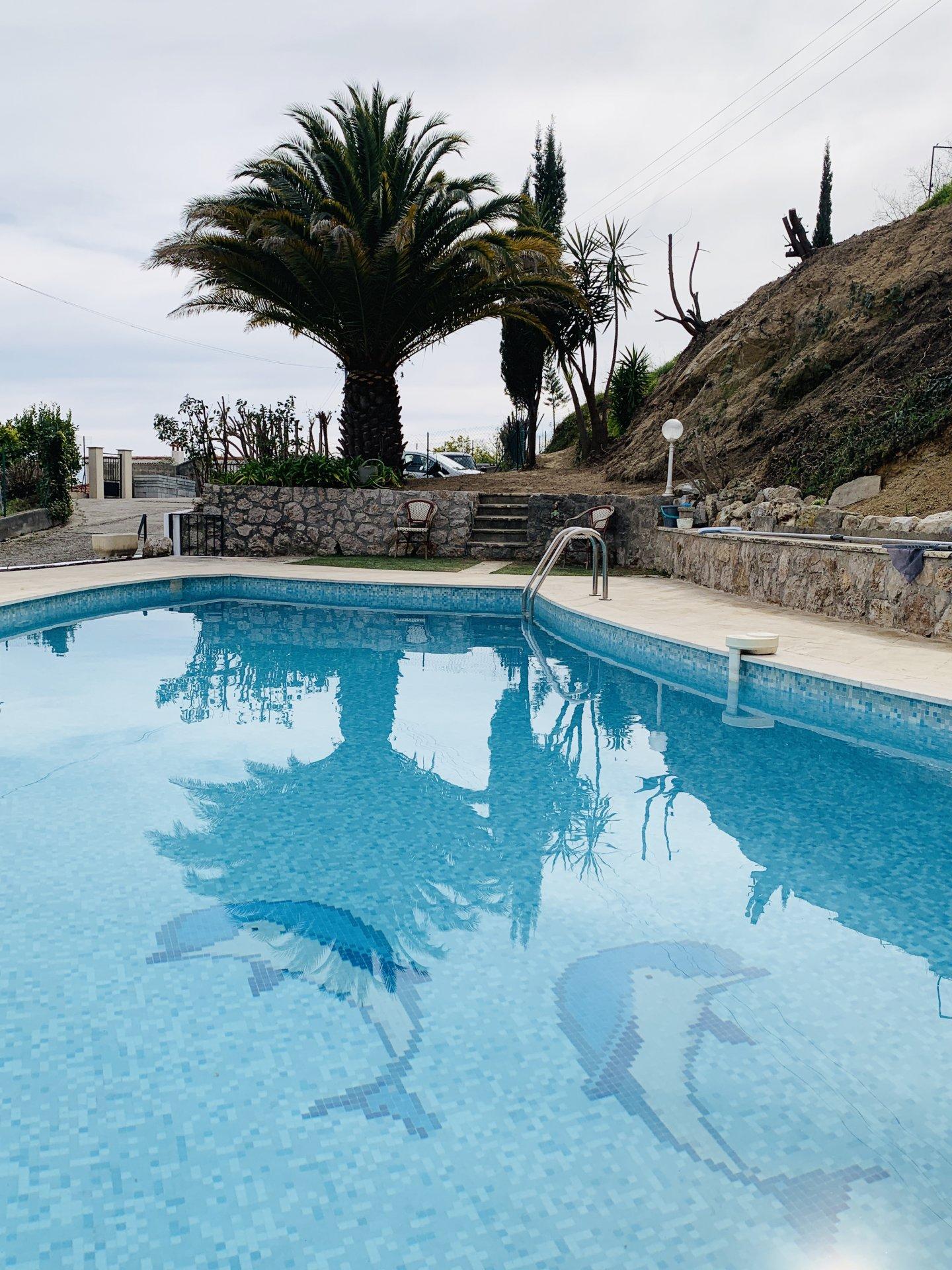 Villa individuelle Corniche des Serres de la Madone Vue panoramqiue mer et montagnes-- Terrain 2350m²- Constructibilité restante- Piscine