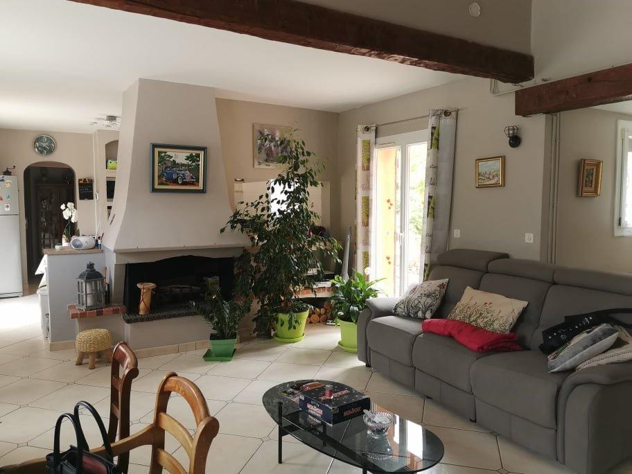 CALLAS Agréable villa 125 m² 3 chbres sur 3410m²