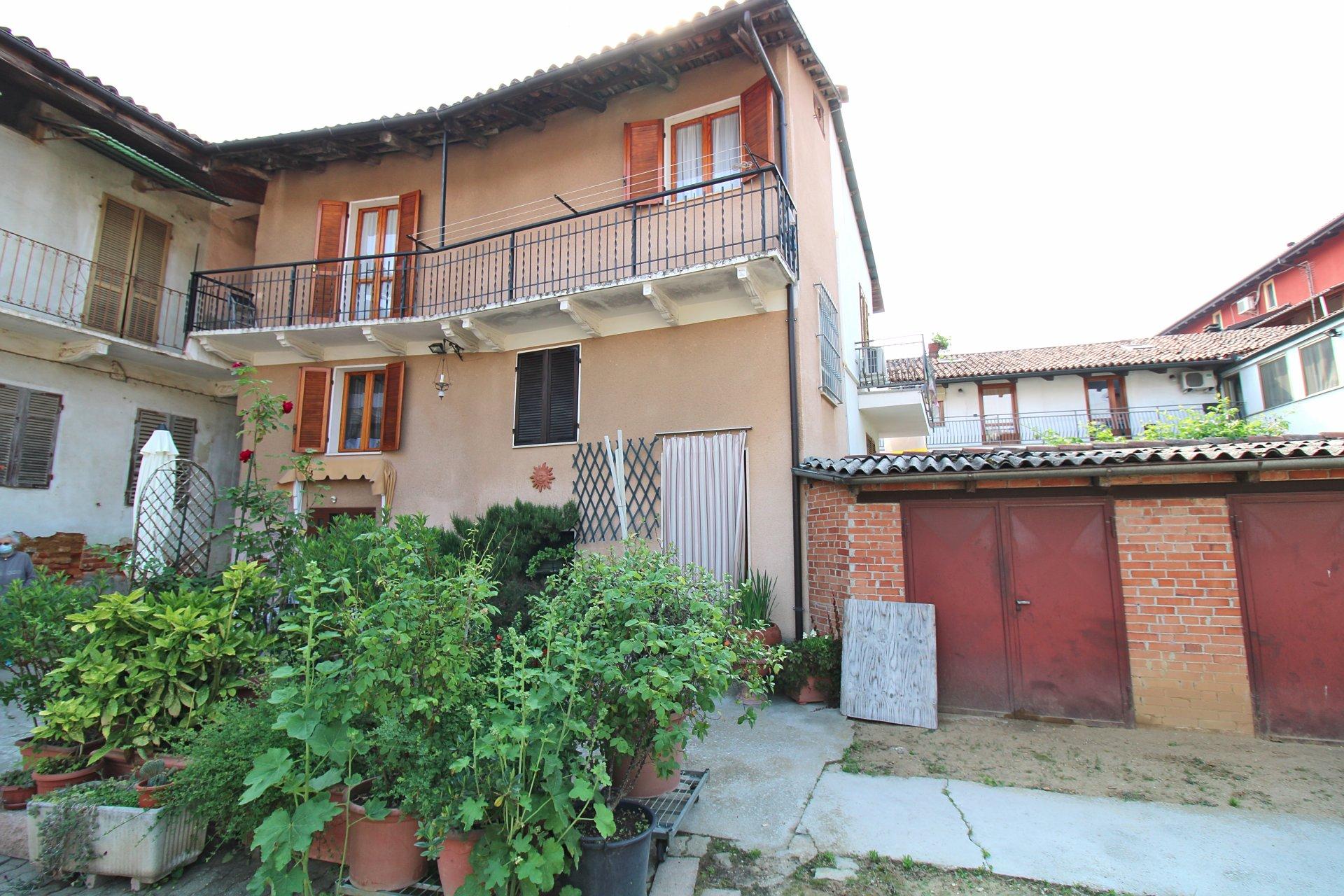 Casa a Montà