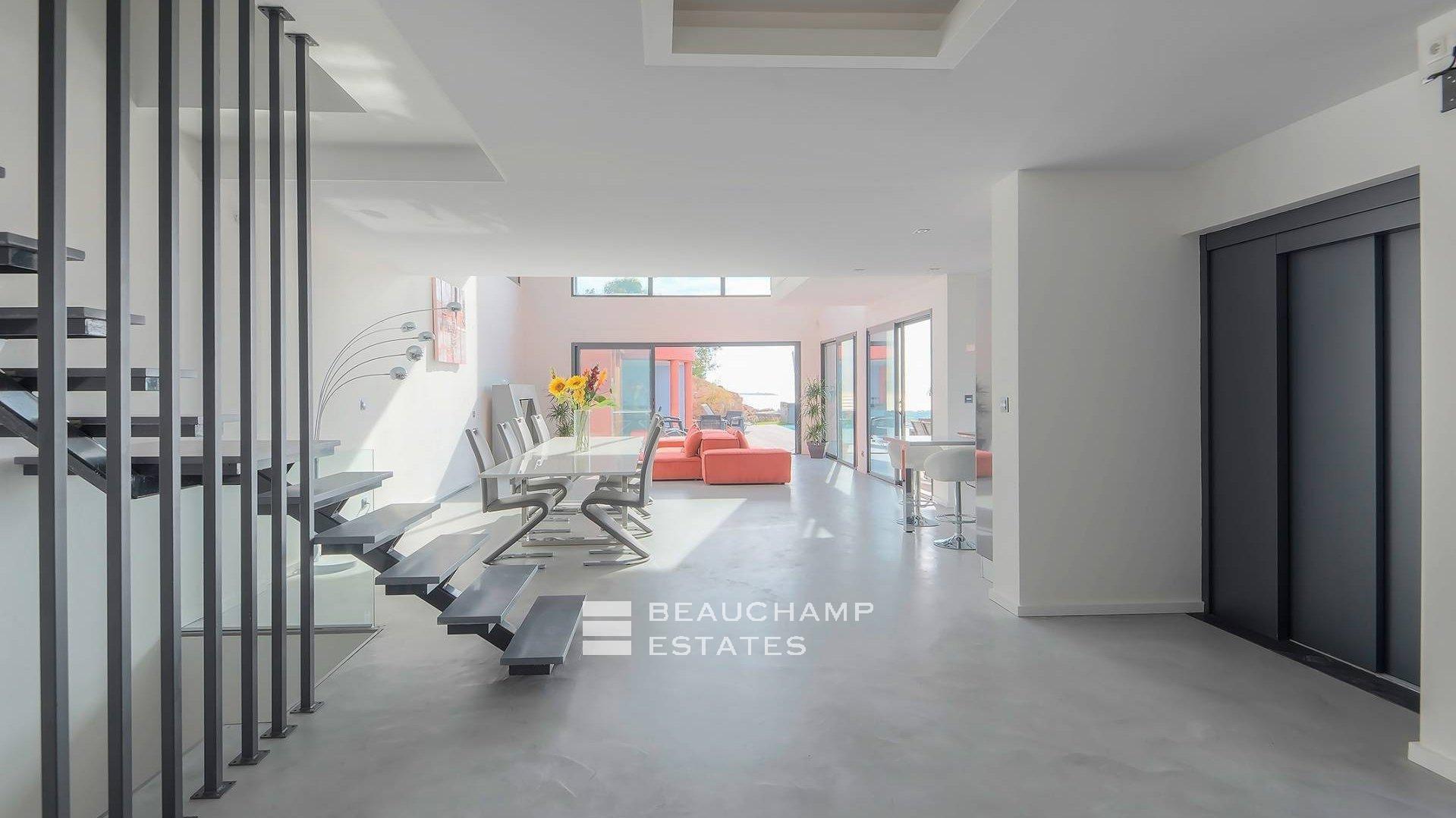 Brand-new Modern Villa Near Cannes