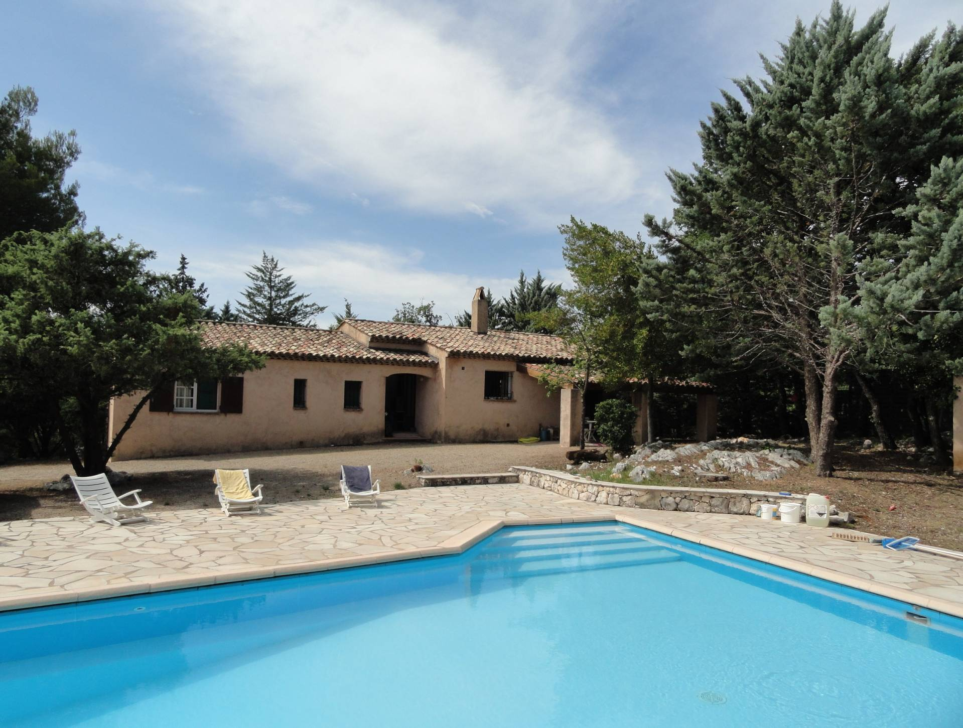 Pays de Fayence; house with pool