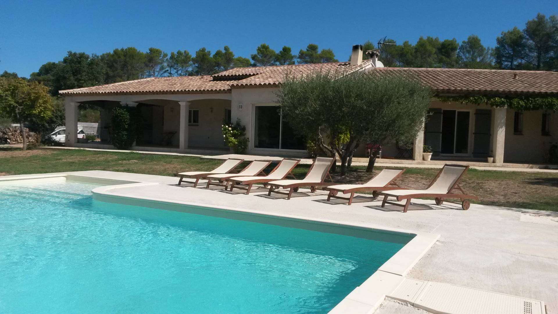 LORGUES NICE ONE LEVEL VILLA WITH SWIMMING POOL