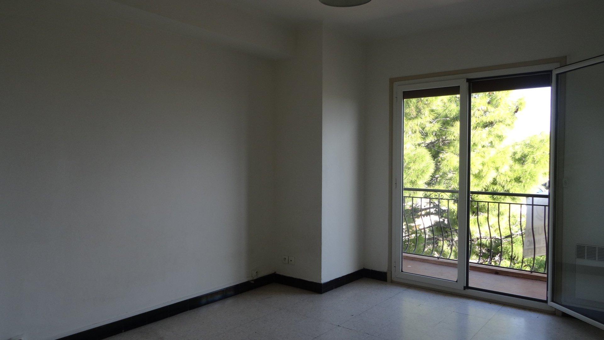Affitto Appartamento - Saint-Laurent-du-Var Gare