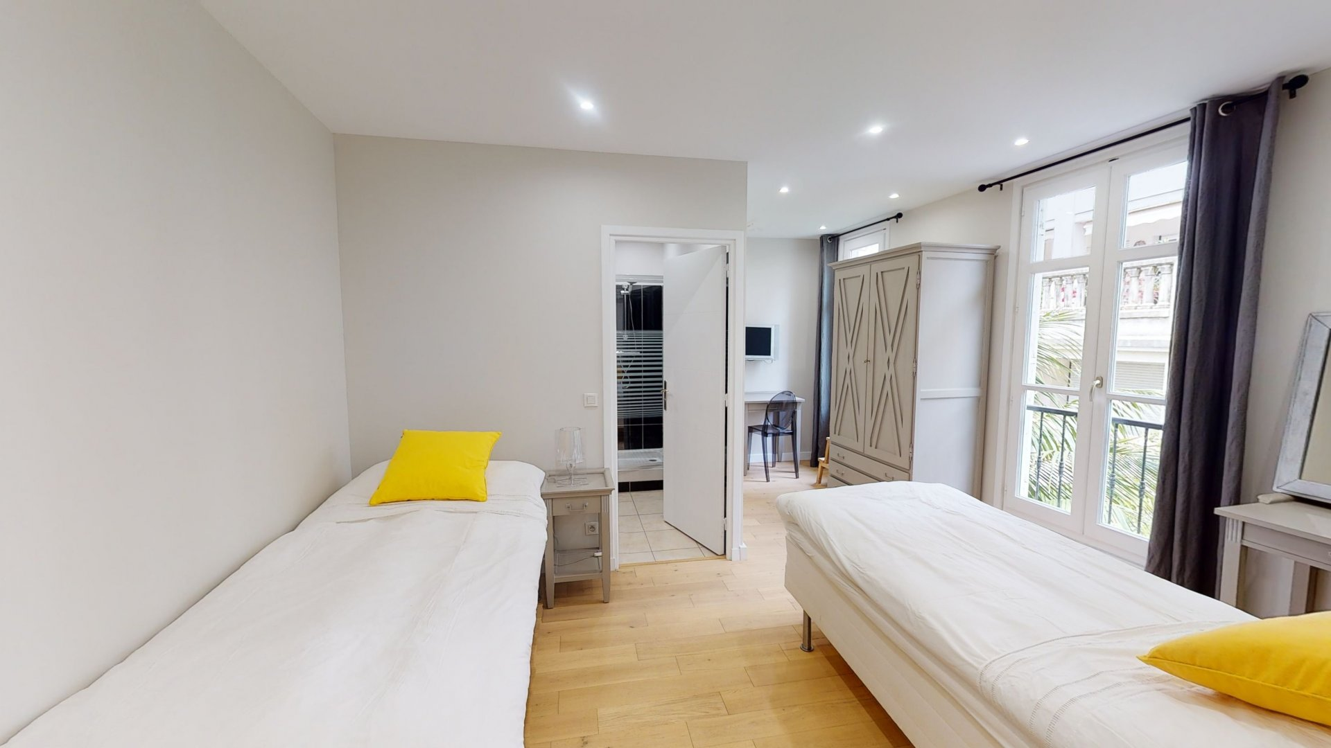 SOLE AGENT - Unique Town House in the very heart of Cannes