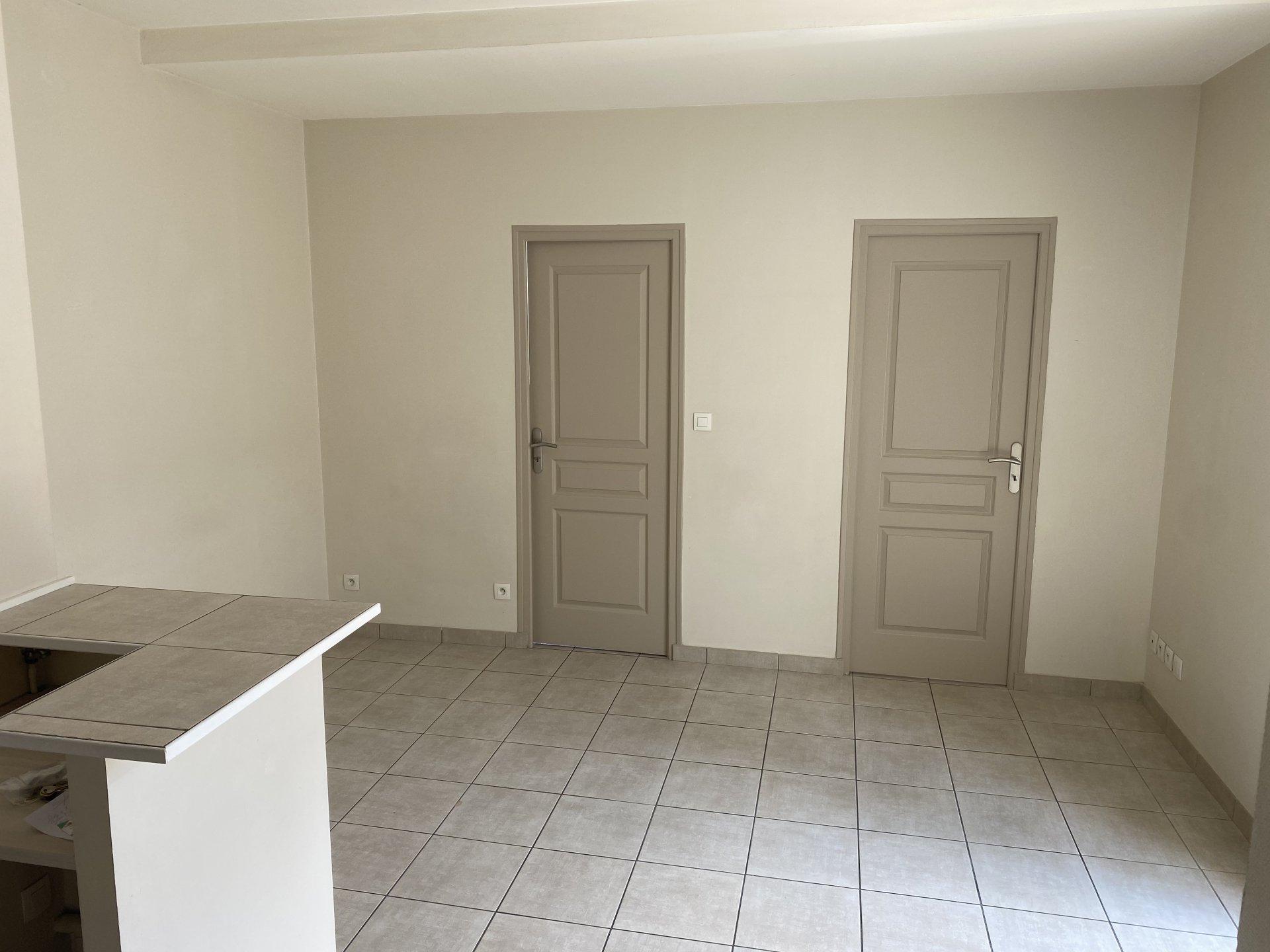 VIENNE NORD, Appartement T3 de 46.72m² avec balcon et cave