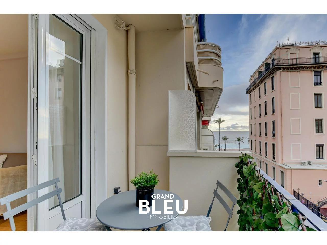 Carré d'Or,  luxueux 3 pièces rénové, terrasse et balcon proche mer