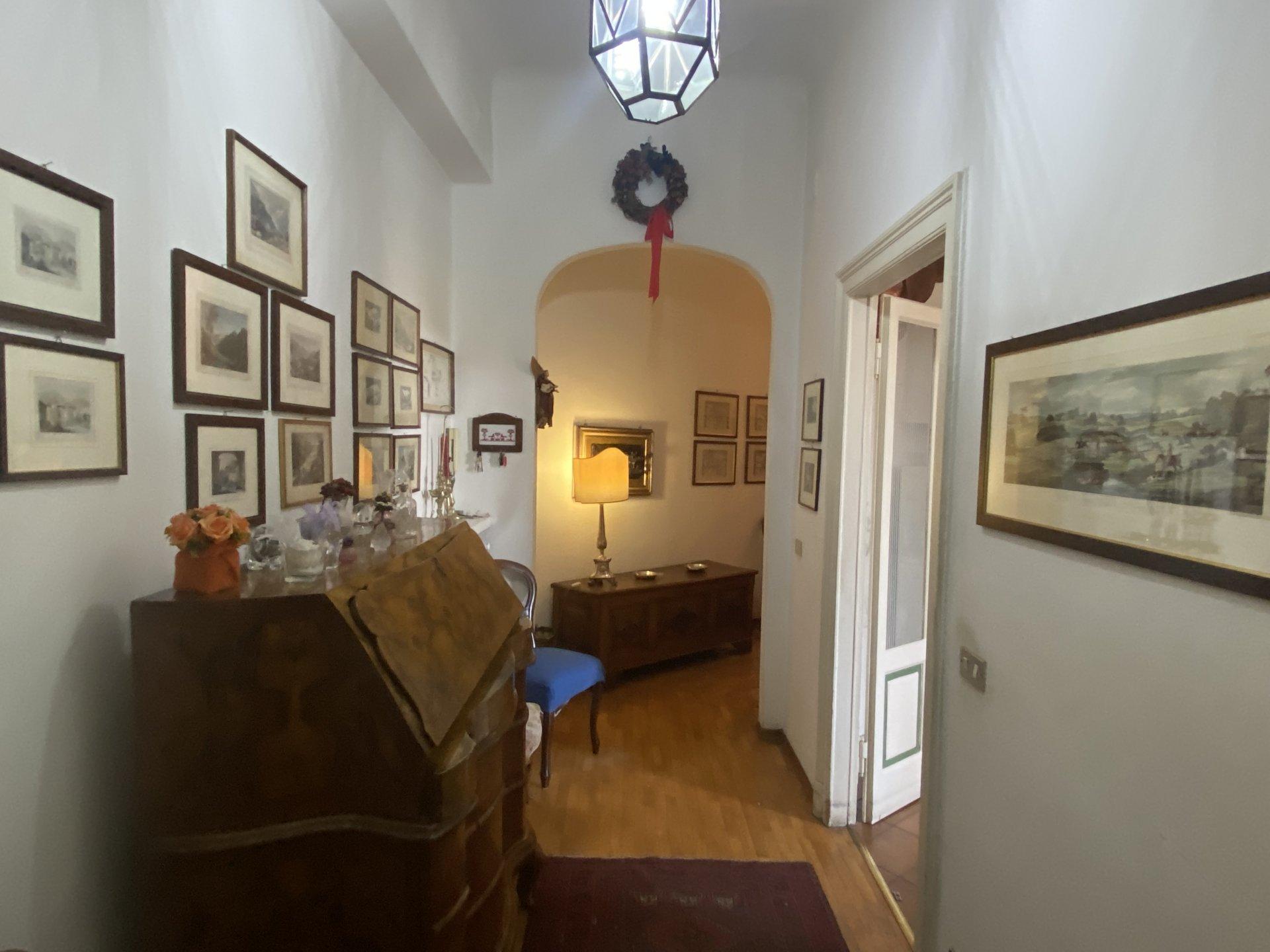 Milano - Via Giulio e Corrado VENINI 37