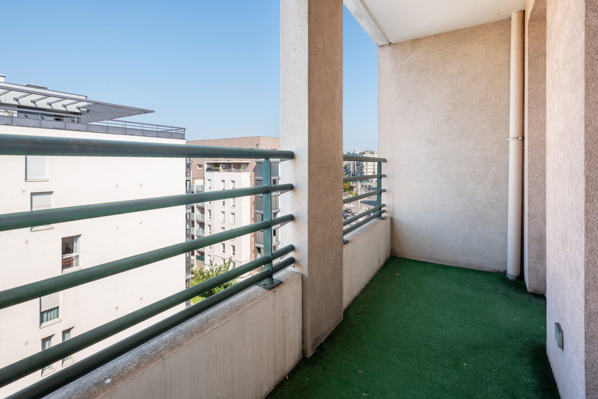 Lyon 7 Proximité Jean Macé T2 51m² balcon et box fermé