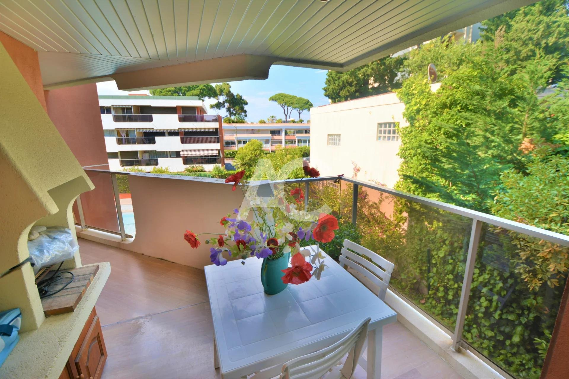 ANTIBES - ILETTE - ONE BEDROOM - PARKING AND CELLAR