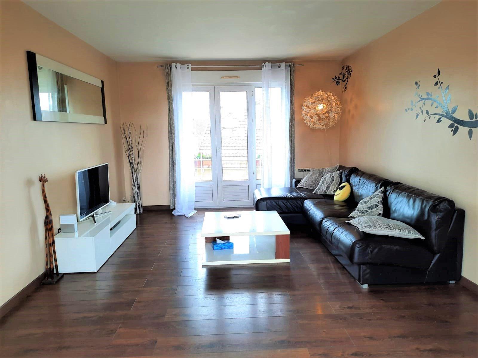 Appartement 4 Pièces en Duplex de  61.78 m² Loi Carrez avec parking et 2 balcons