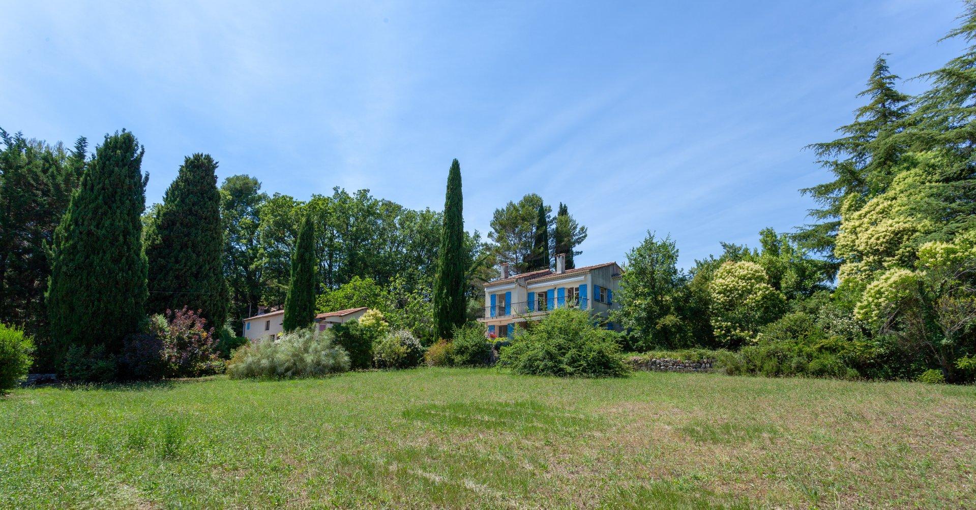 Villa met gasthuis in de buurt van Valbonne