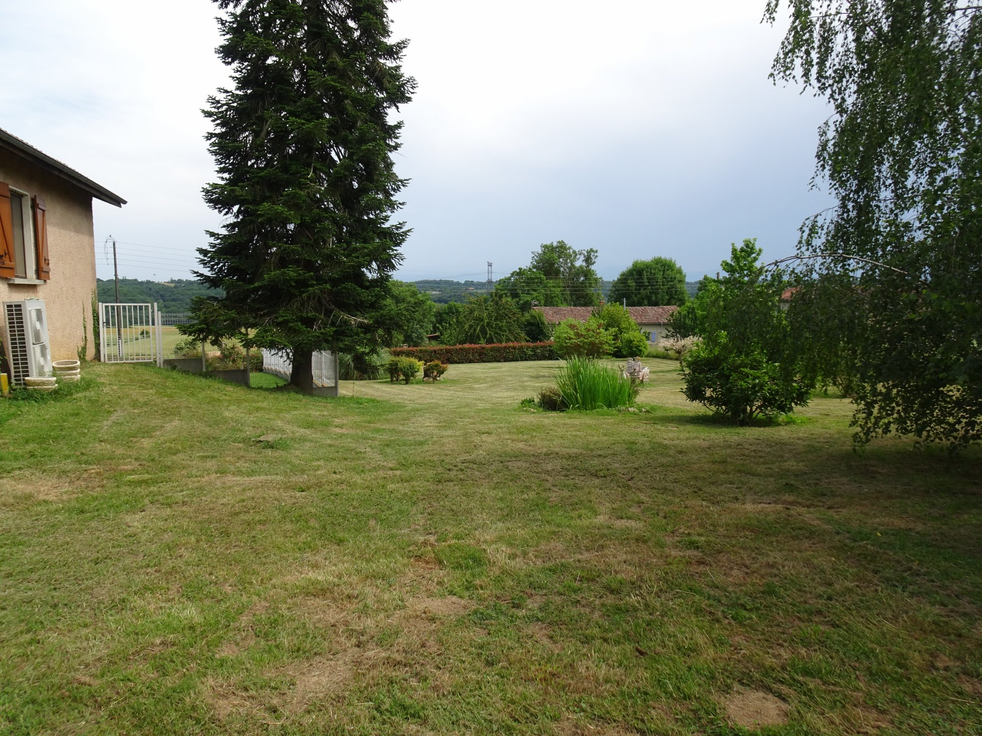 Housing complex near Saman with 7280 m² of land