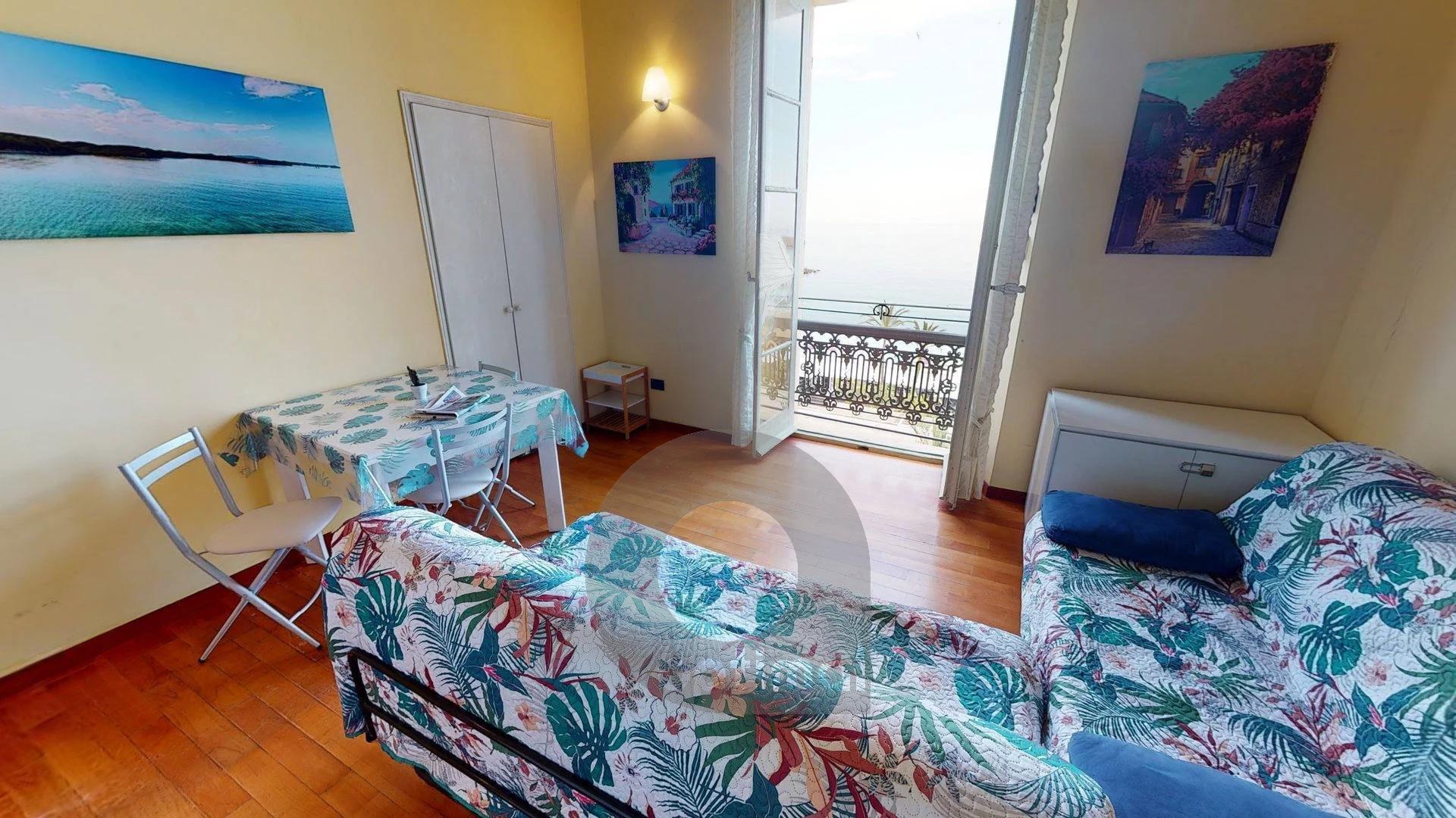 Joli studio avec mezzanine face mer et proche des plages