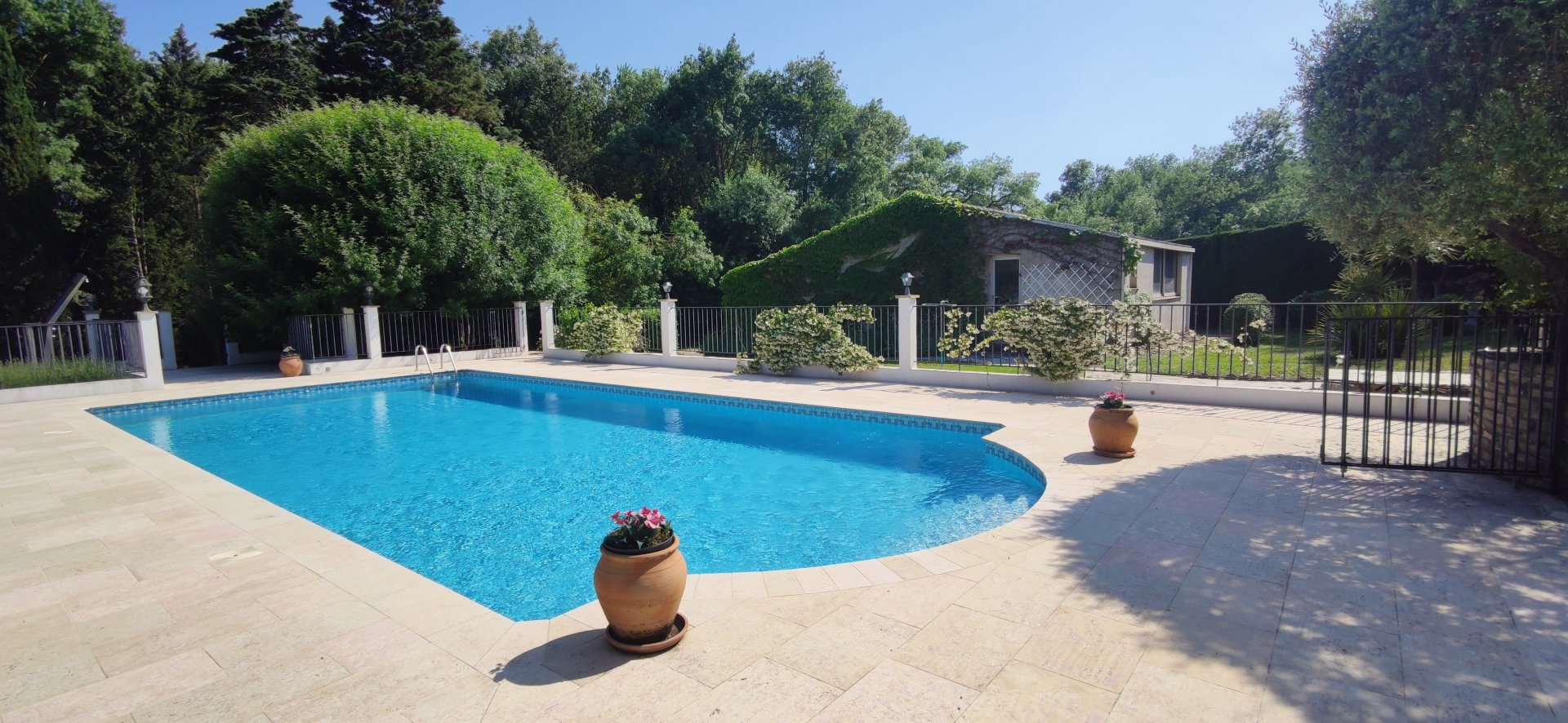 FAMILY HOUSE CLOSE TO VALBONNE