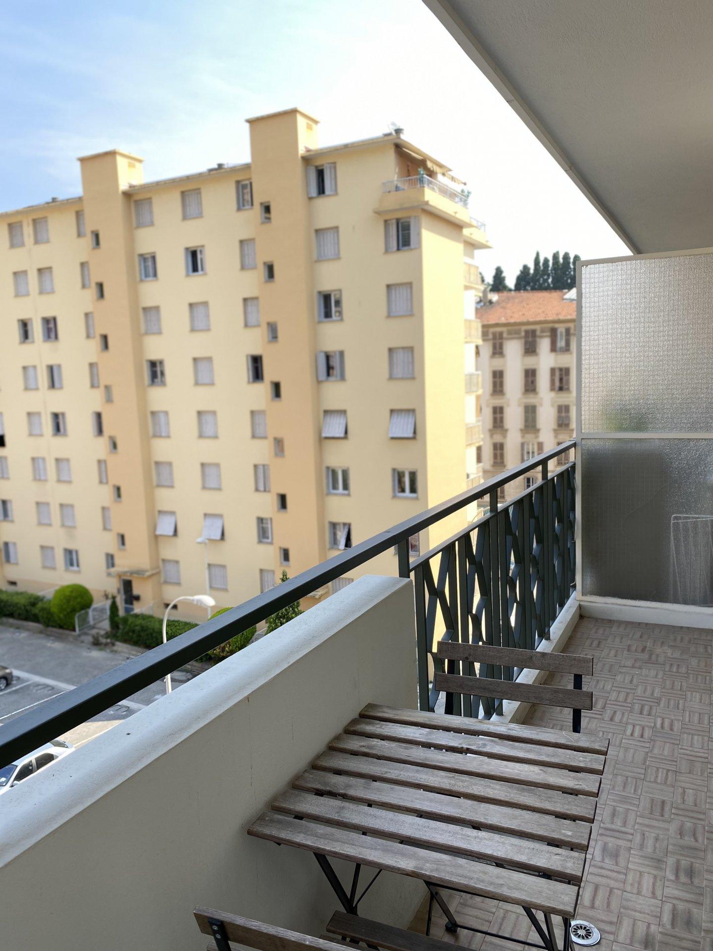 For rent / Studio + Terrace
