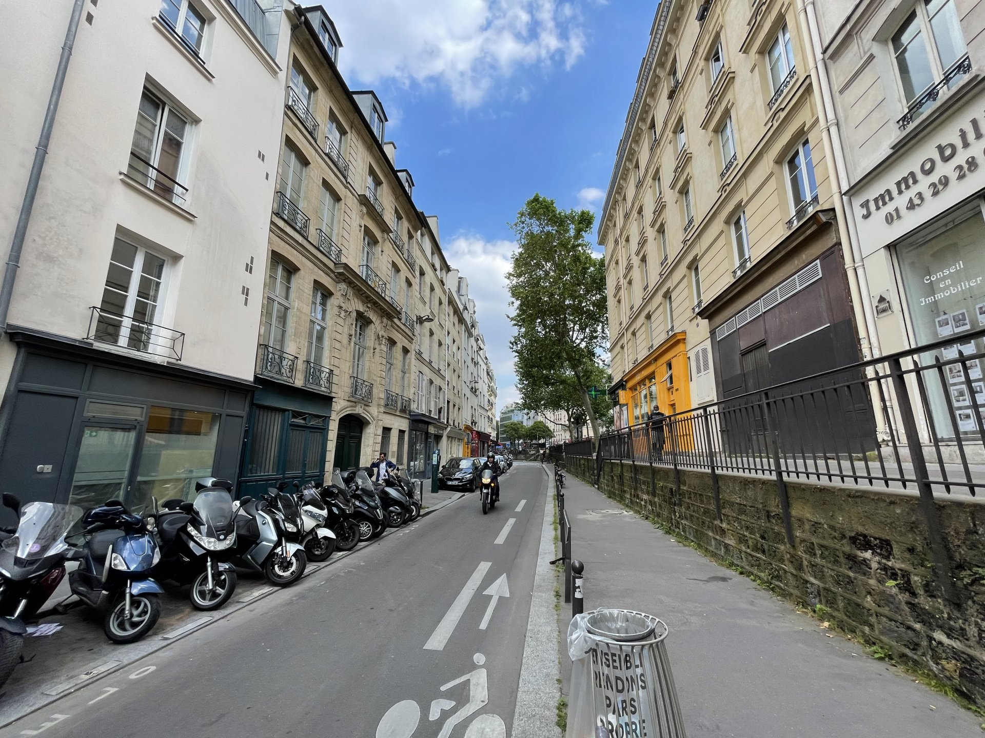 Studio Paris V