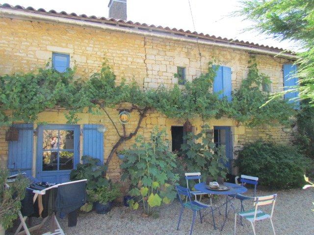 Village house near Ruffec