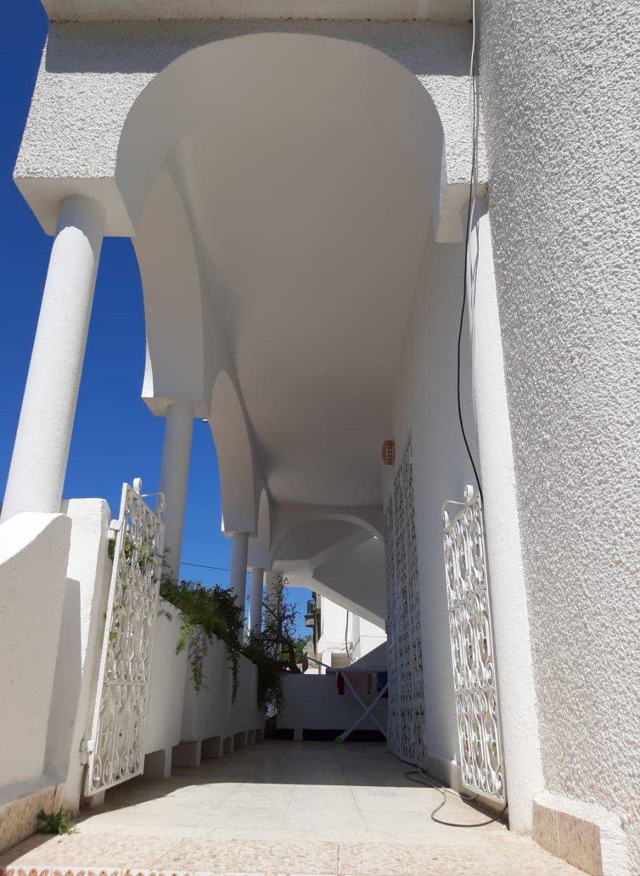 Vente Villa avec Jardin de  440 m² à La Marsa