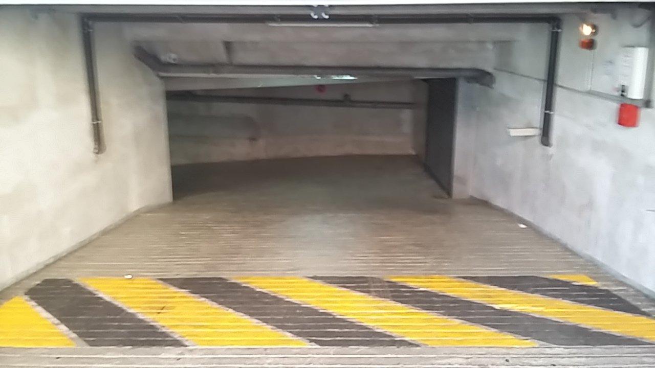 Box ouvert en sous-sol sécurisé