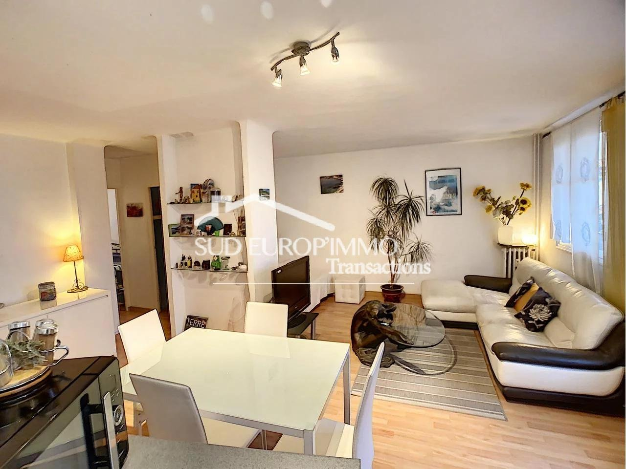 Appartement  3 Rooms 48m2  for sale   176000 €