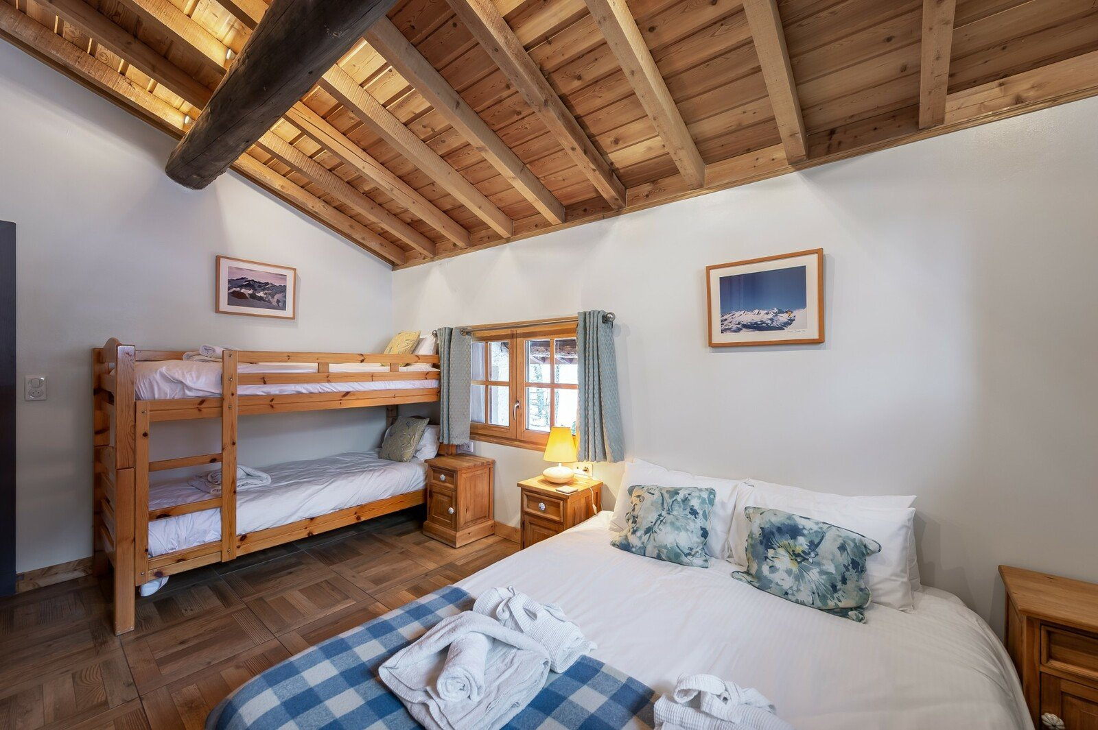 INDIVIDUAL CHALET OVERLOOKING THE VILLAGE OF LA THUILE OF SAINTE-FOY-TARENTAISE