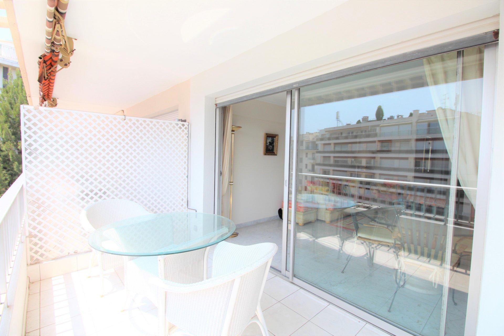 Cannes Banane - Etage élevé - 2P 50m2 terrasse Sud