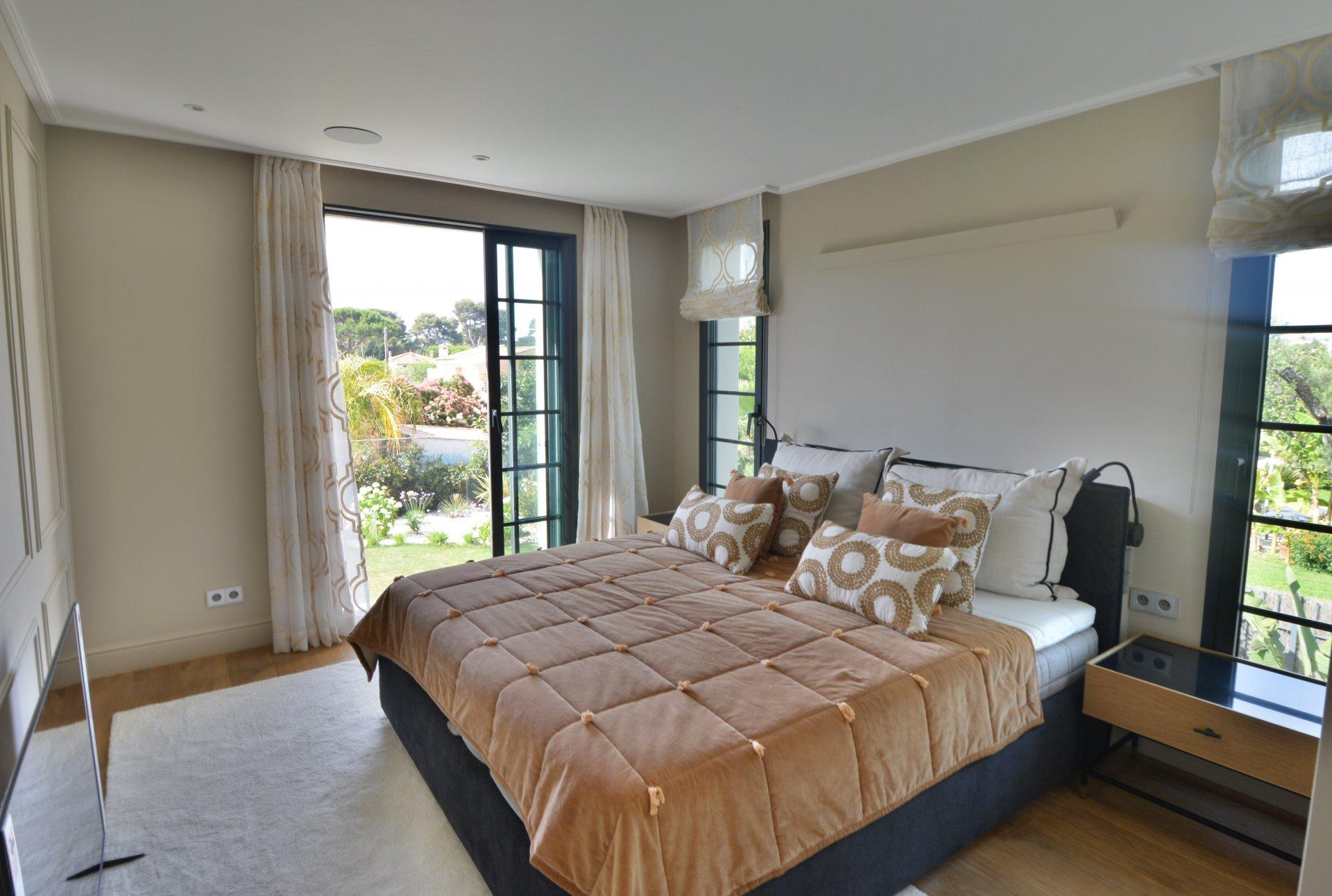 Villa exceptionnelle proche des plages - Cap d'Antibes
