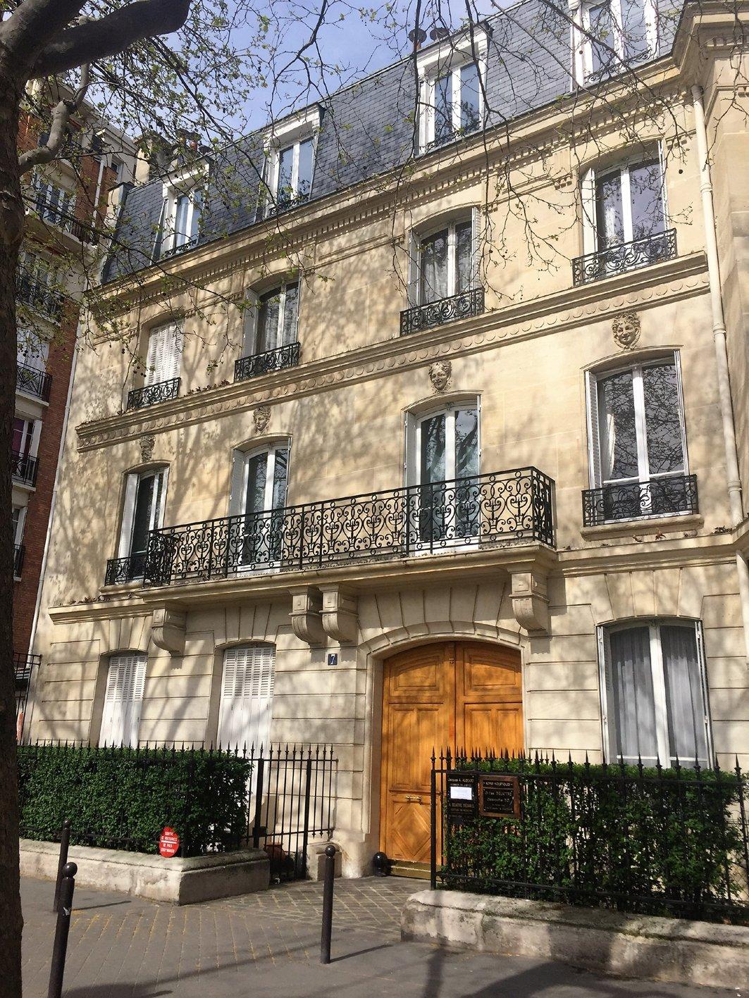 Paris - XII ème - PLACE FÉLIX ÉBOUÉ - M° DAUMESNIL - 3 PIÈCES - JARDIN - SOLEIL - VUE - CACHET MANIFESTE.