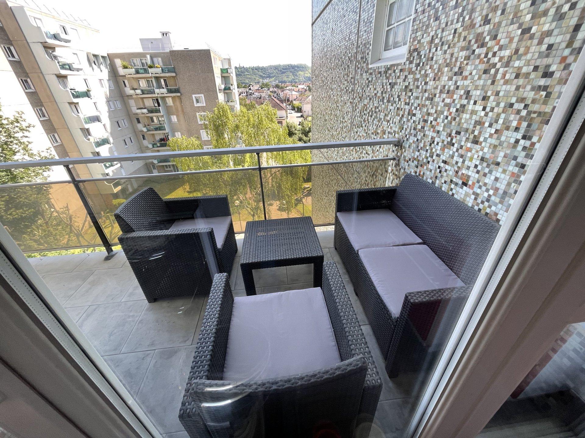 Sale Apartment - Sotteville-lès-Rouen Hôtel de ville