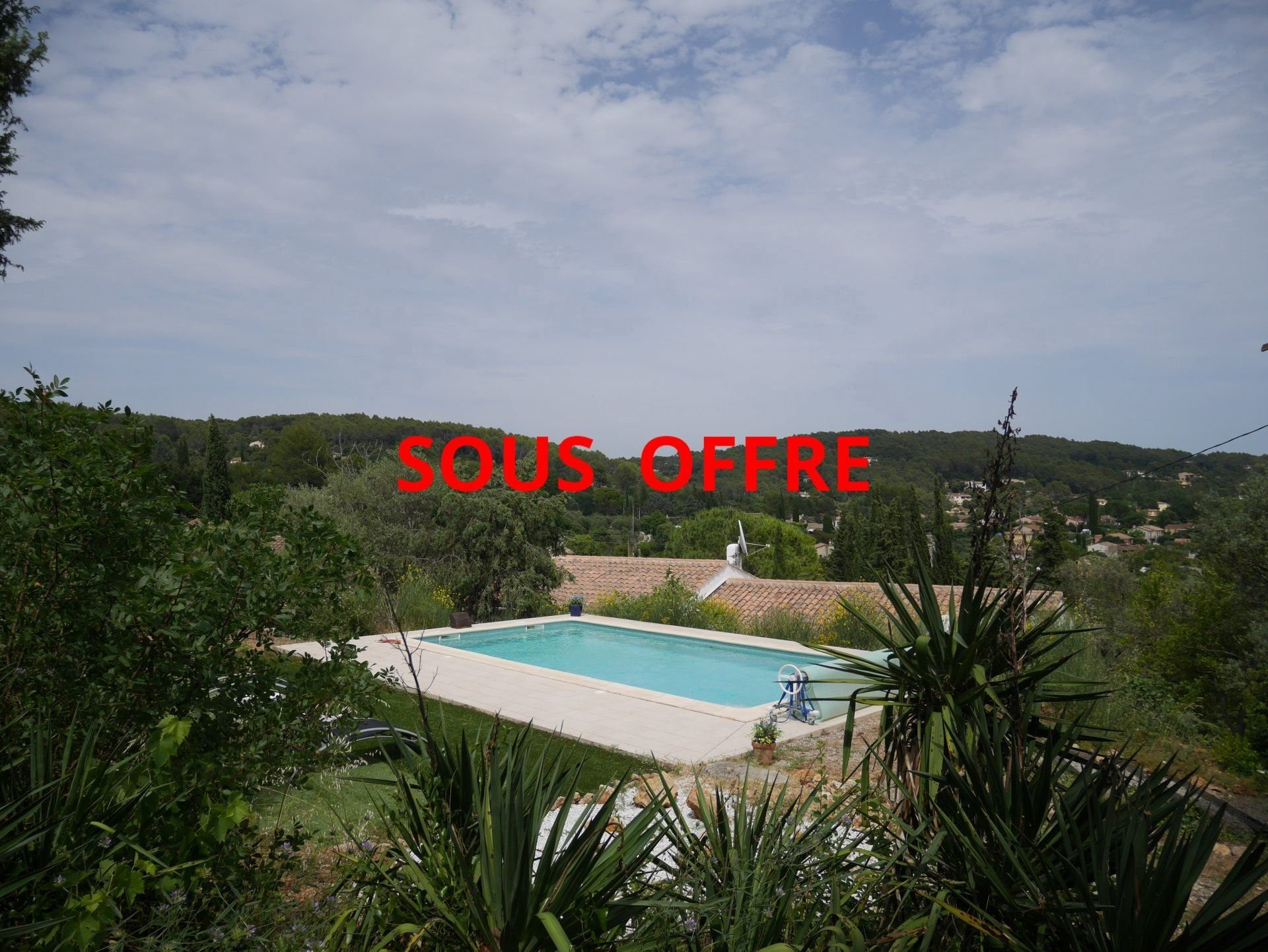 Lorgues villa tophill with breathtaking view