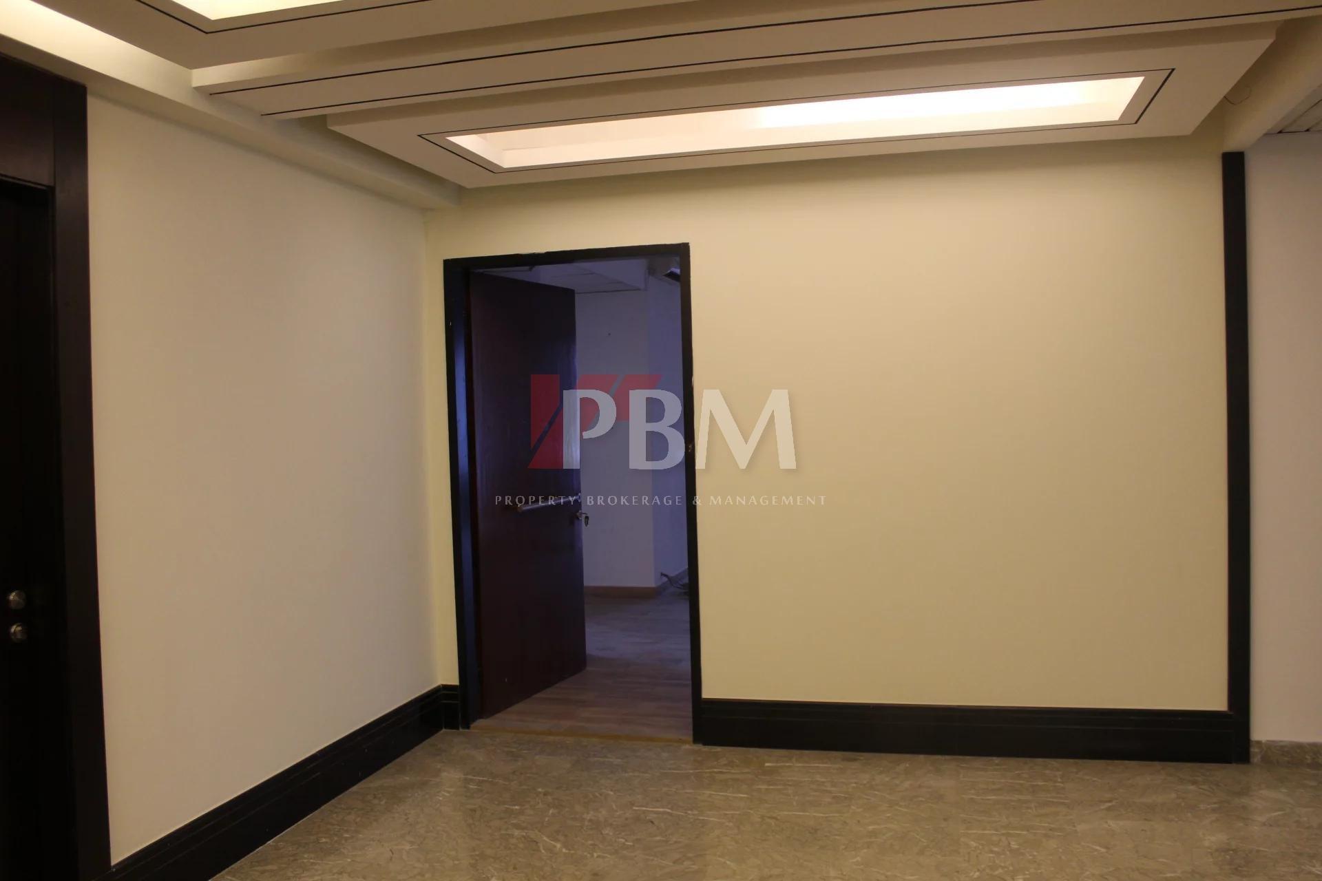 BANKER CHECK  Effervescent Elaborate Office  24051