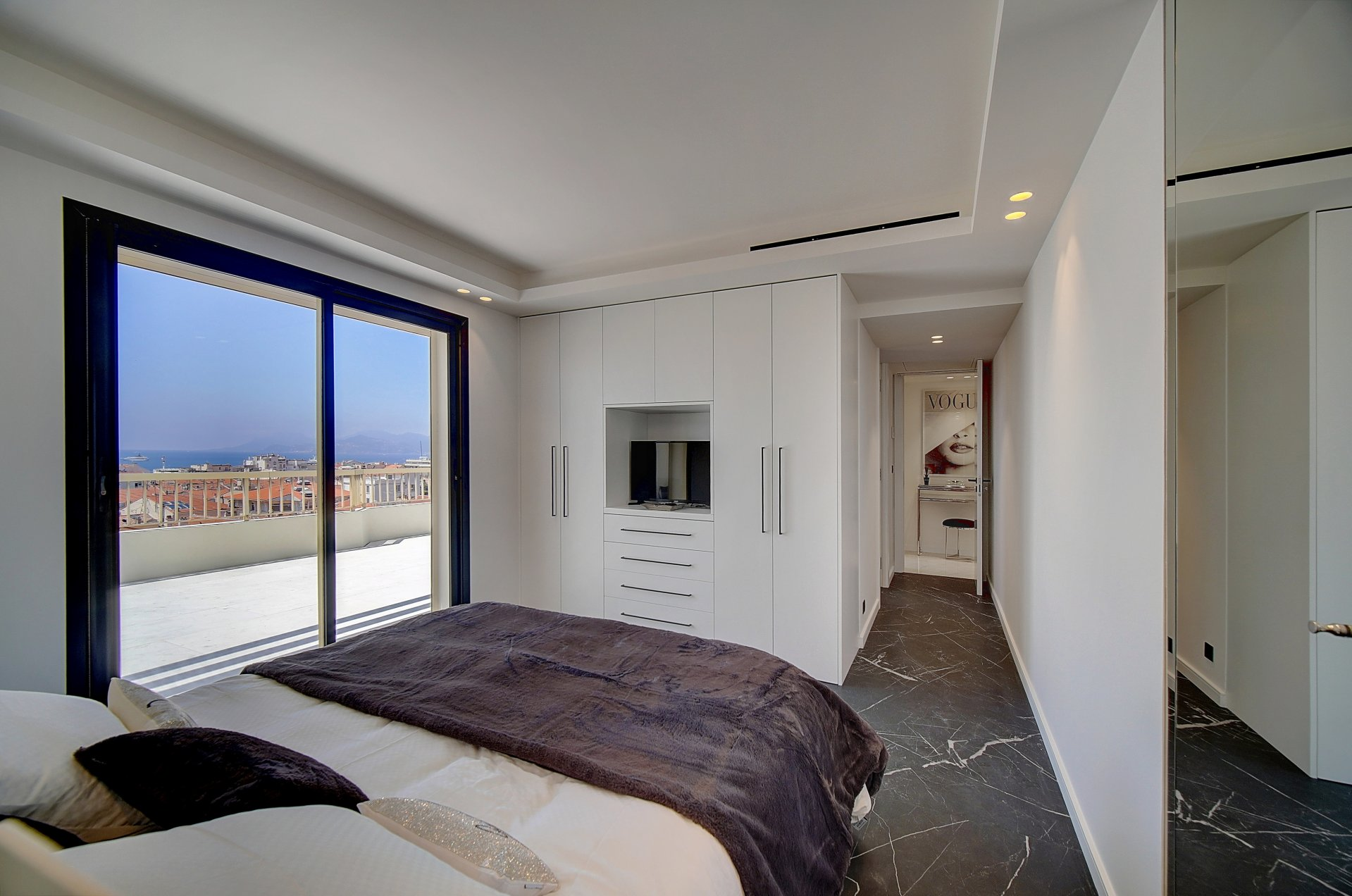 Extraordinary penthouse in Cannes Banane