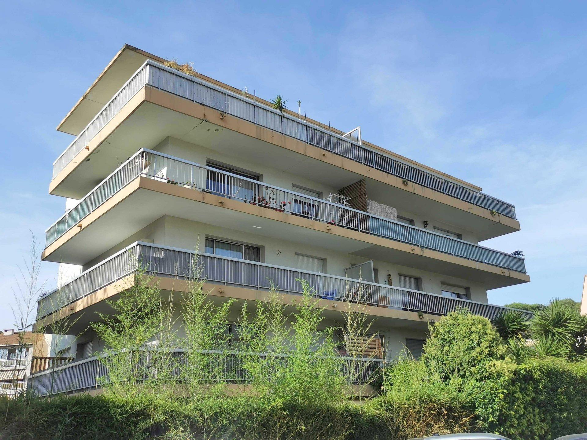 3 Pièces dernier étage terrasse parking