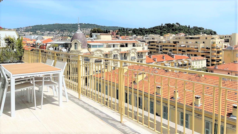 Unique 4 Pièces Dernier étage rénove avec Terrasse